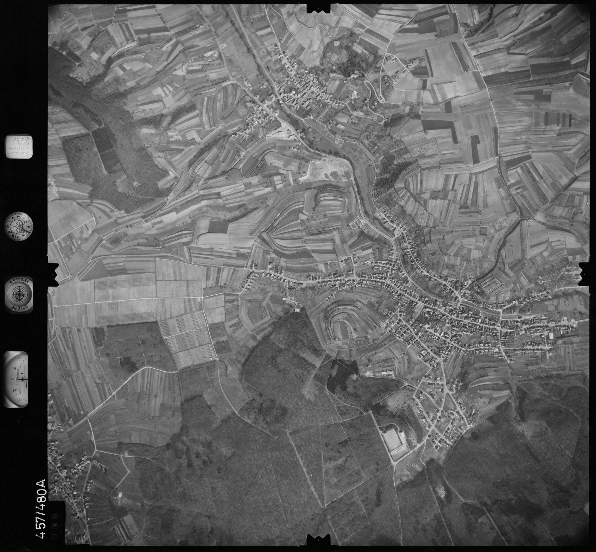 Luftbild: Film 104 Bildnr. 38, Bild 1