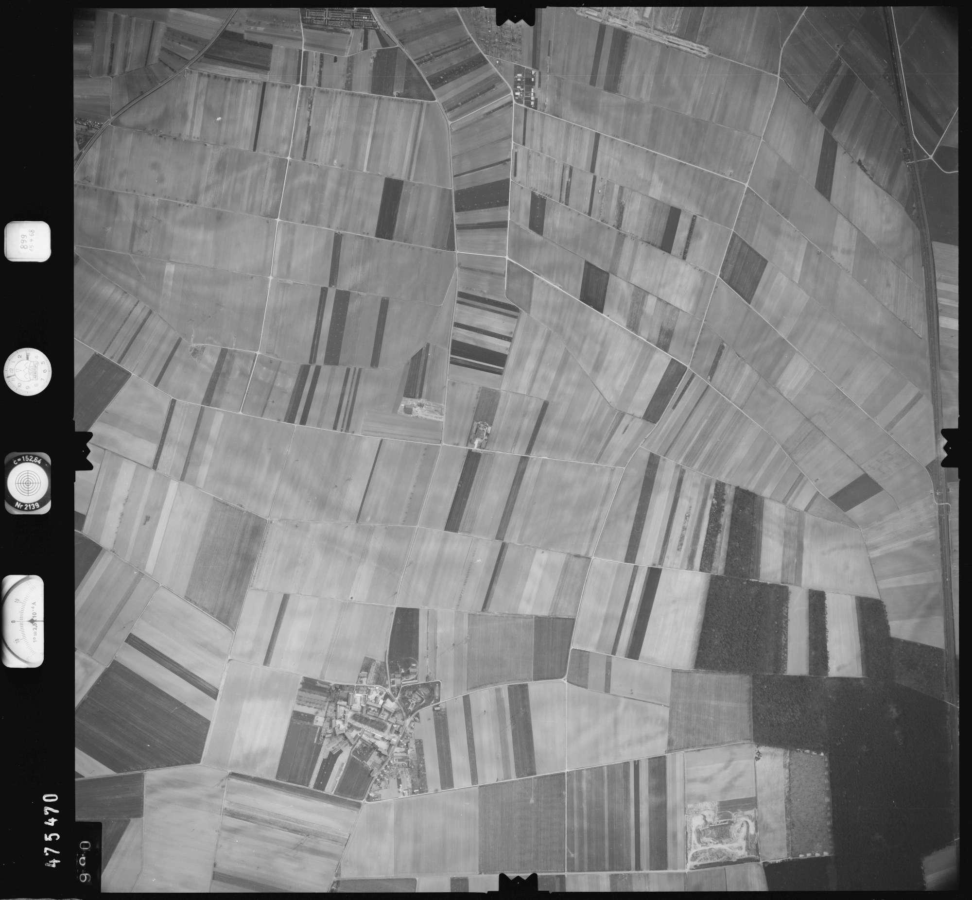 Luftbild: Film 899 Bildnr. 990, Bild 1