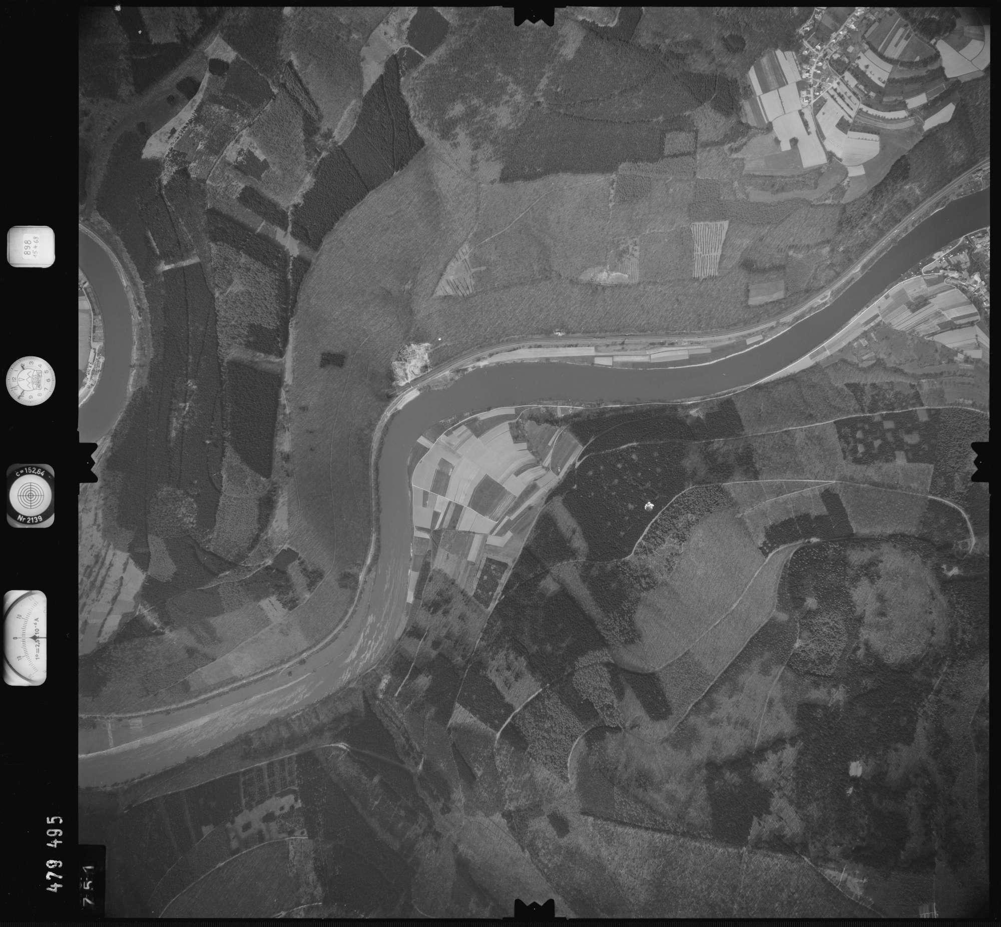 Luftbild: Film 898 Bildnr. 751, Bild 1