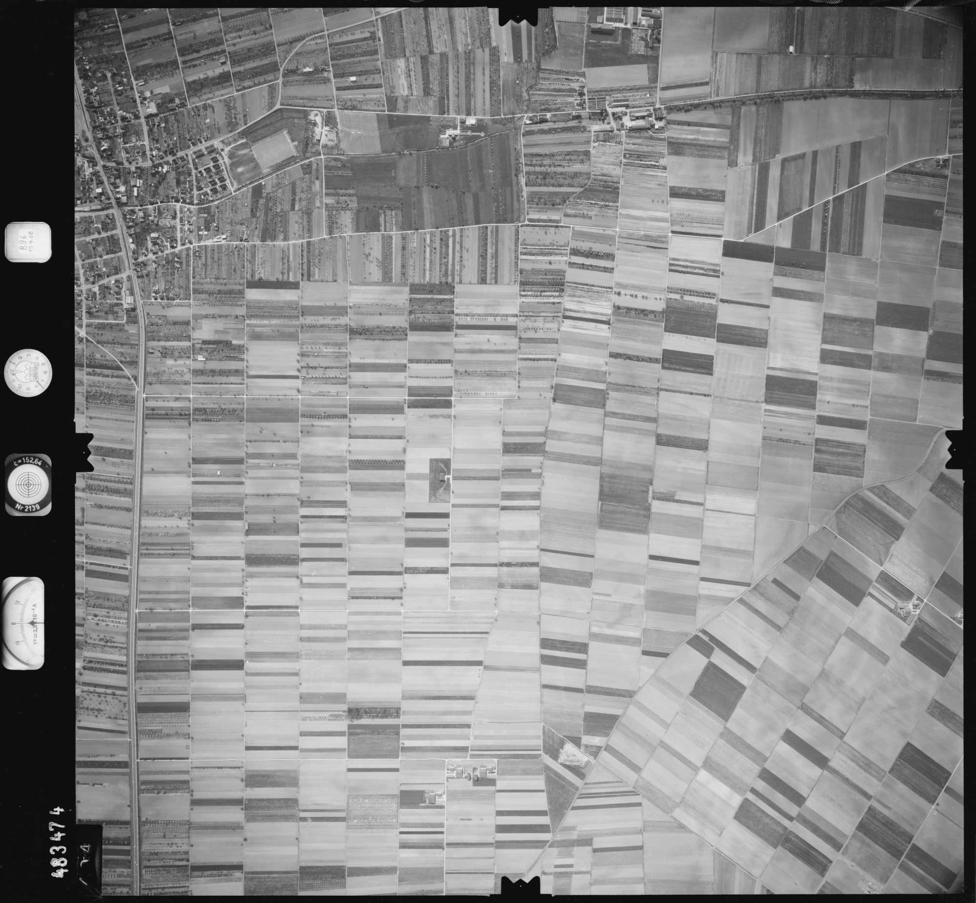 Luftbild: Film 896 Bildnr. 404, Bild 1