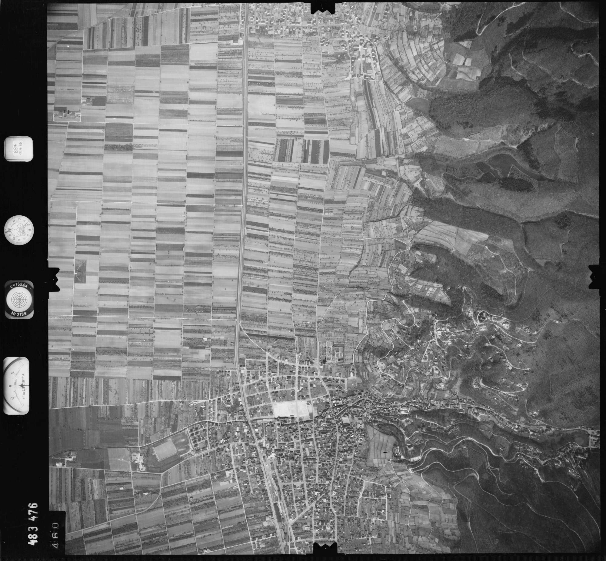 Luftbild: Film 897 Bildnr. 460, Bild 1