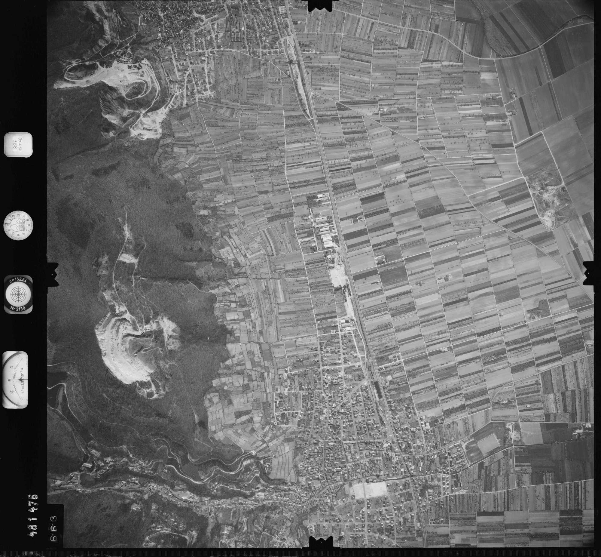 Luftbild: Film 897 Bildnr. 663, Bild 1