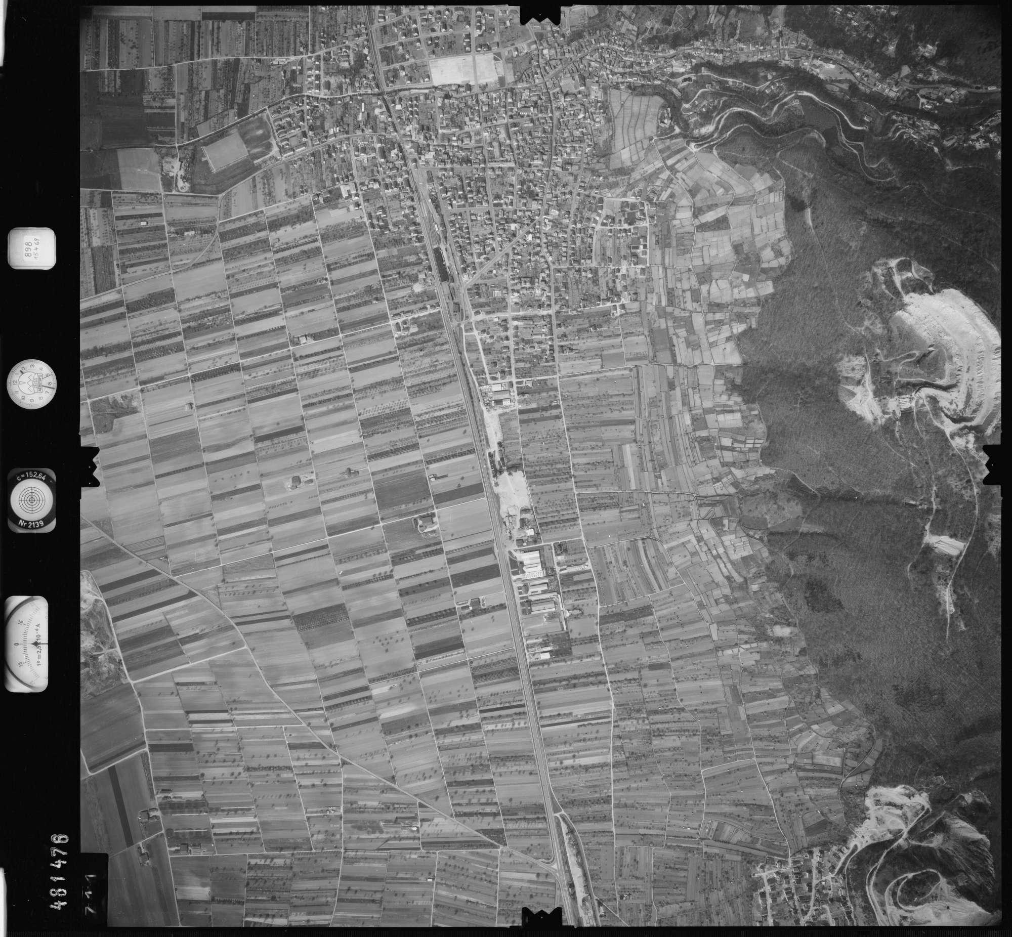 Luftbild: Film 898 Bildnr. 711, Bild 1