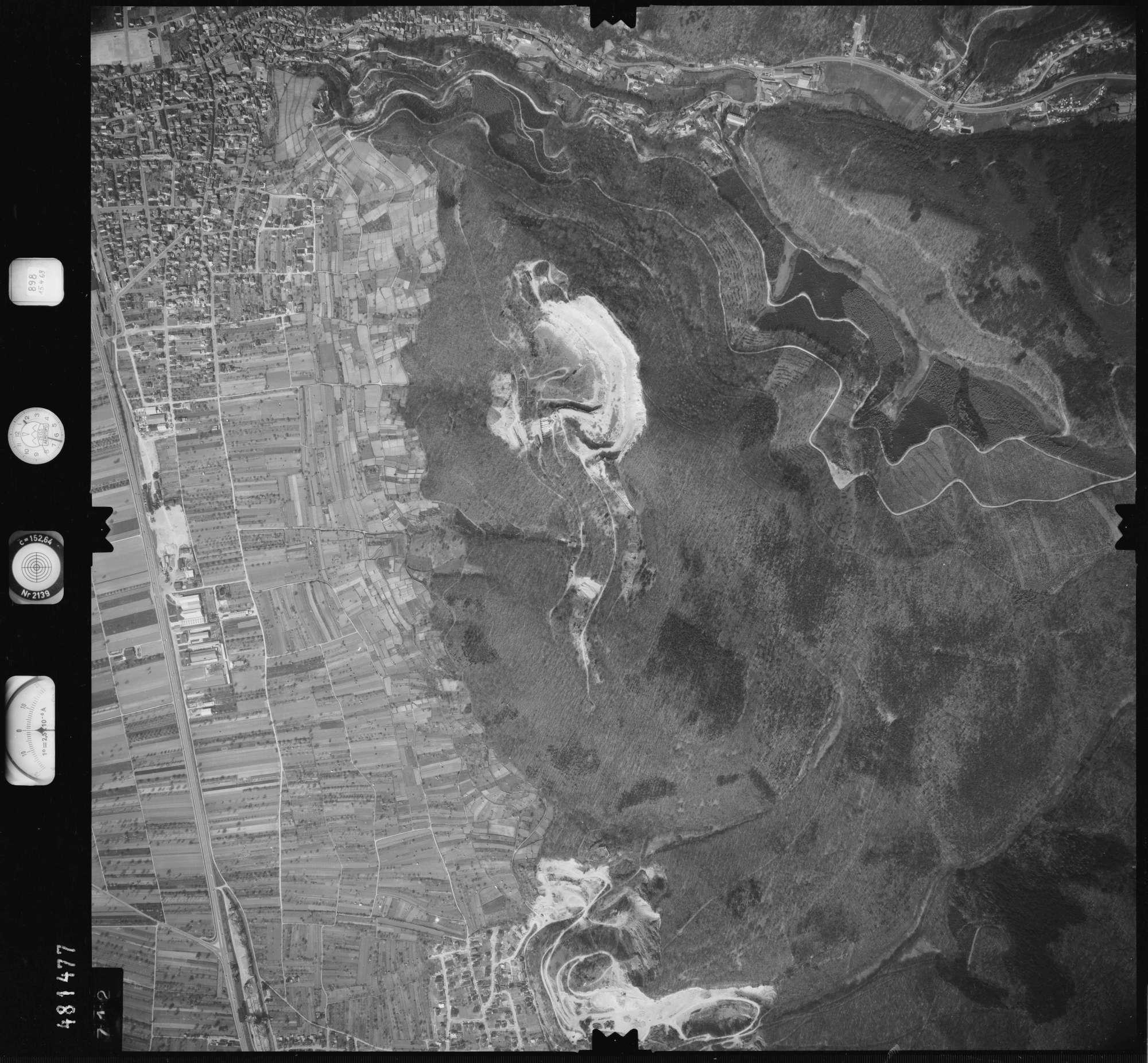 Luftbild: Film 898 Bildnr. 712, Bild 1