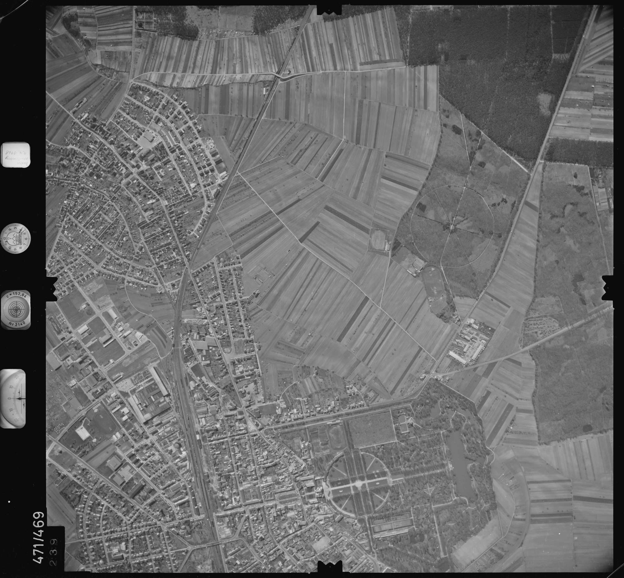 Luftbild: Film 100 Bildnr. 239, Bild 1