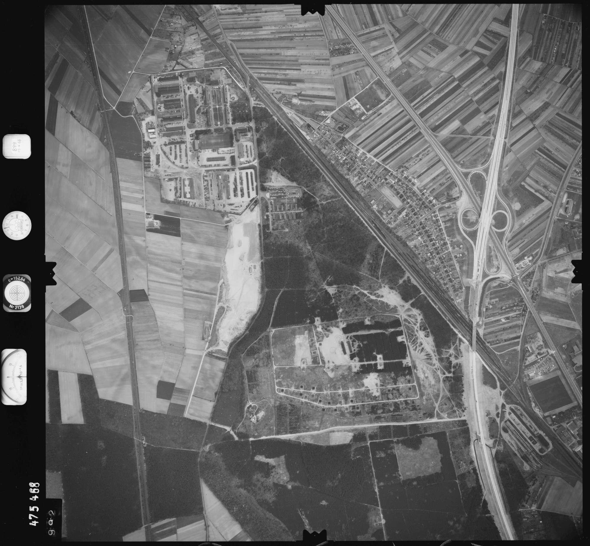 Luftbild: Film 899 Bildnr. 992, Bild 1