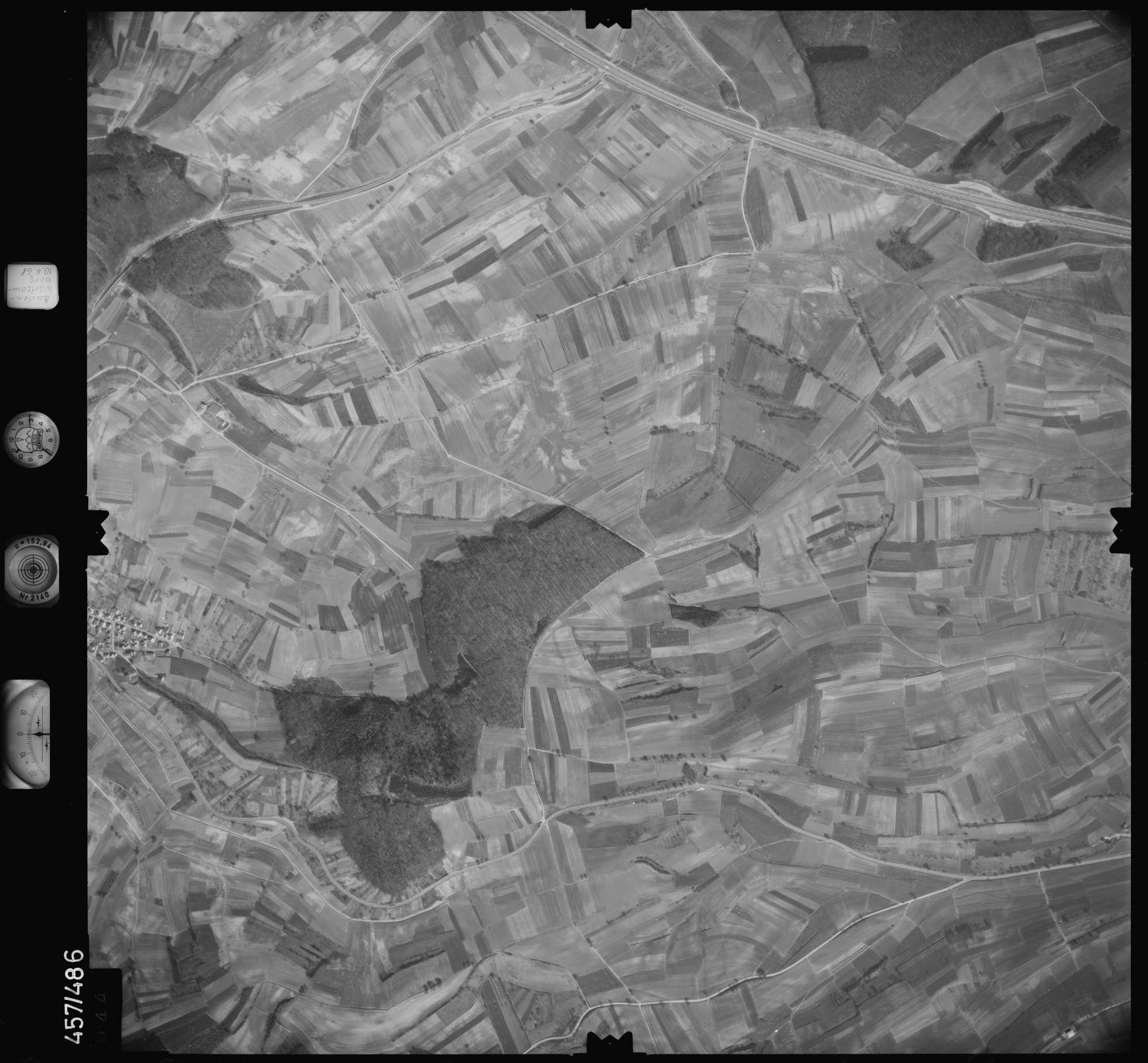 Luftbild: Film 104 Bildnr. 44, Bild 1