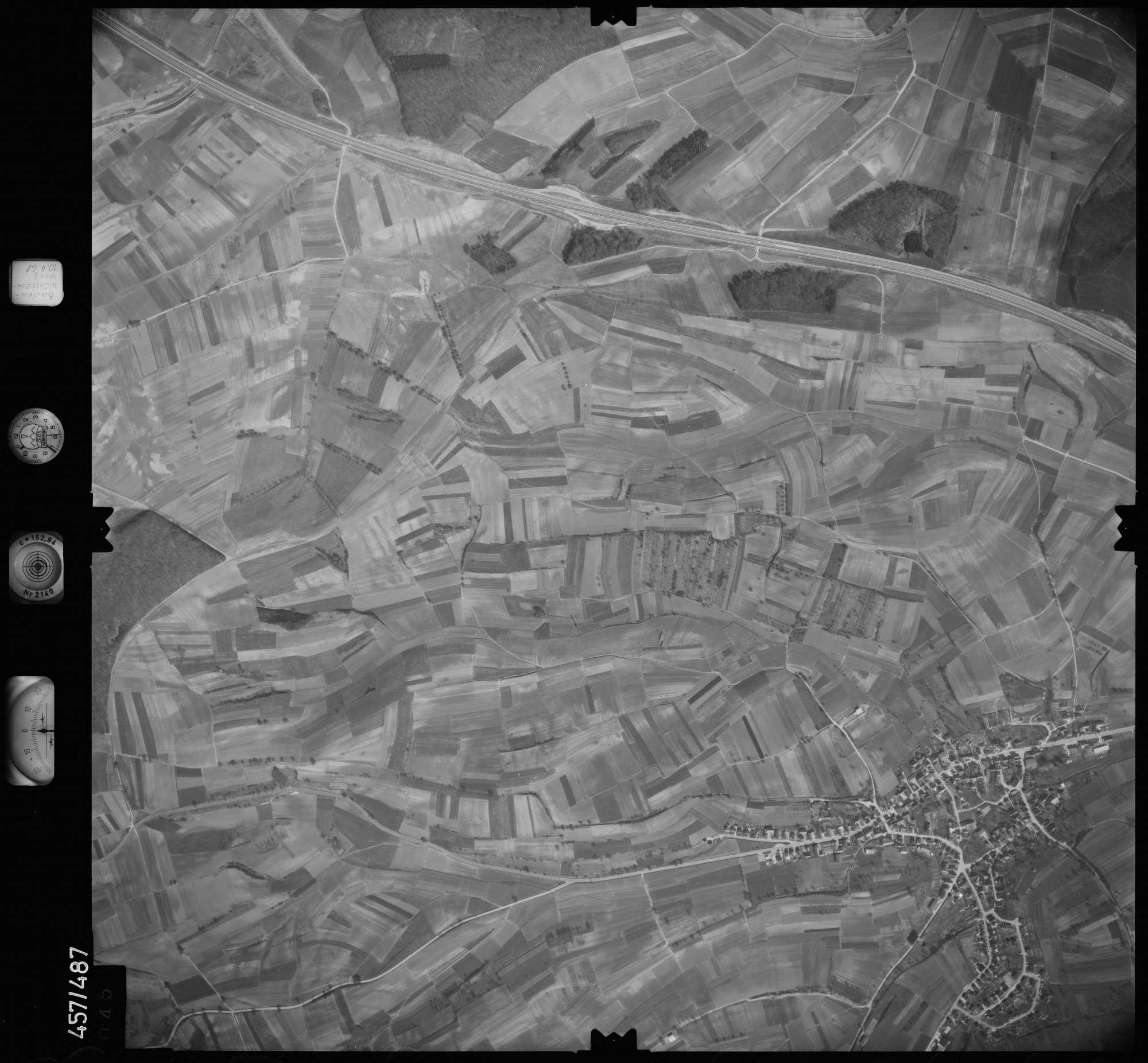 Luftbild: Film 104 Bildnr. 45, Bild 1