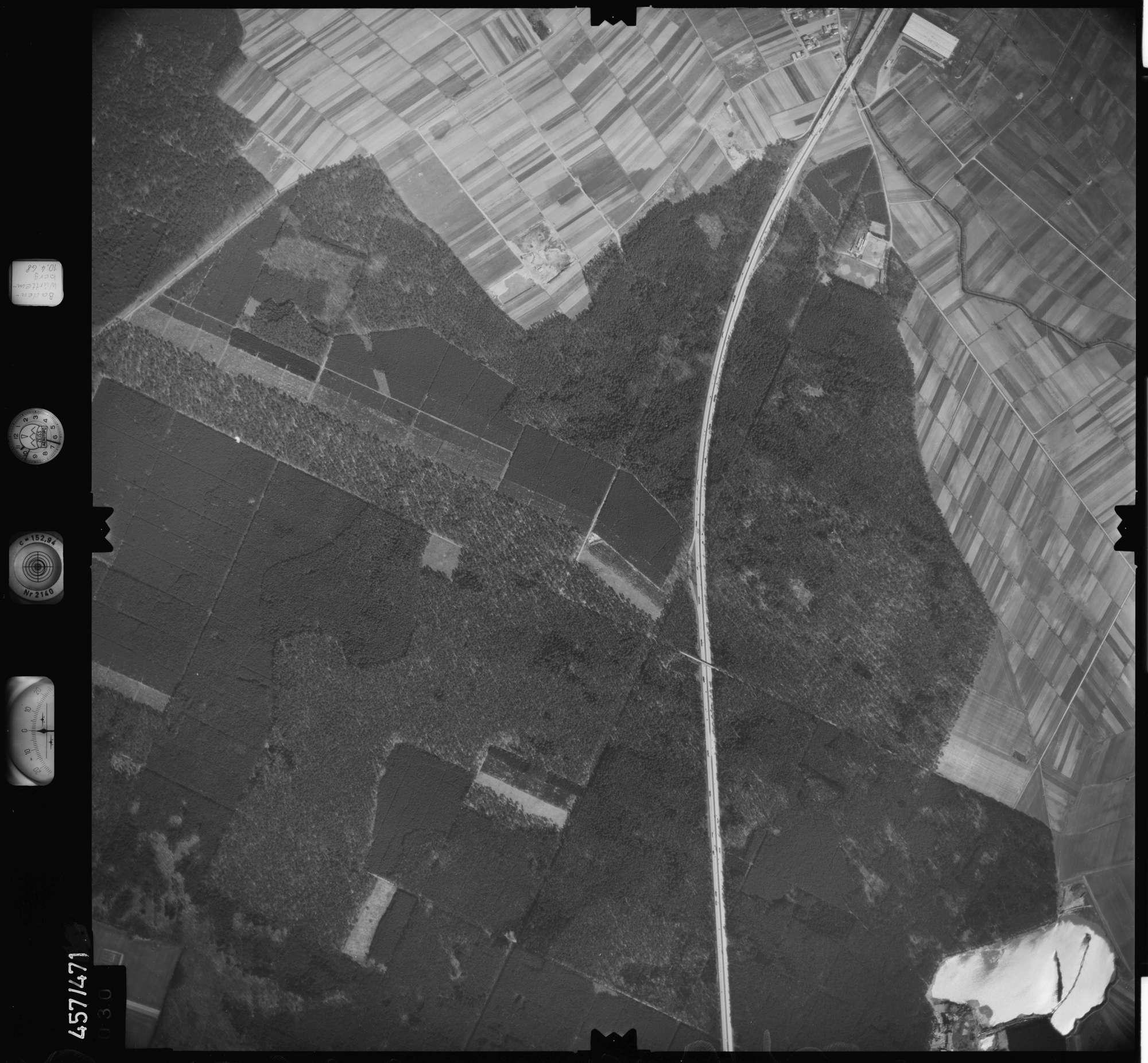 Luftbild: Film 104 Bildnr. 30, Bild 1