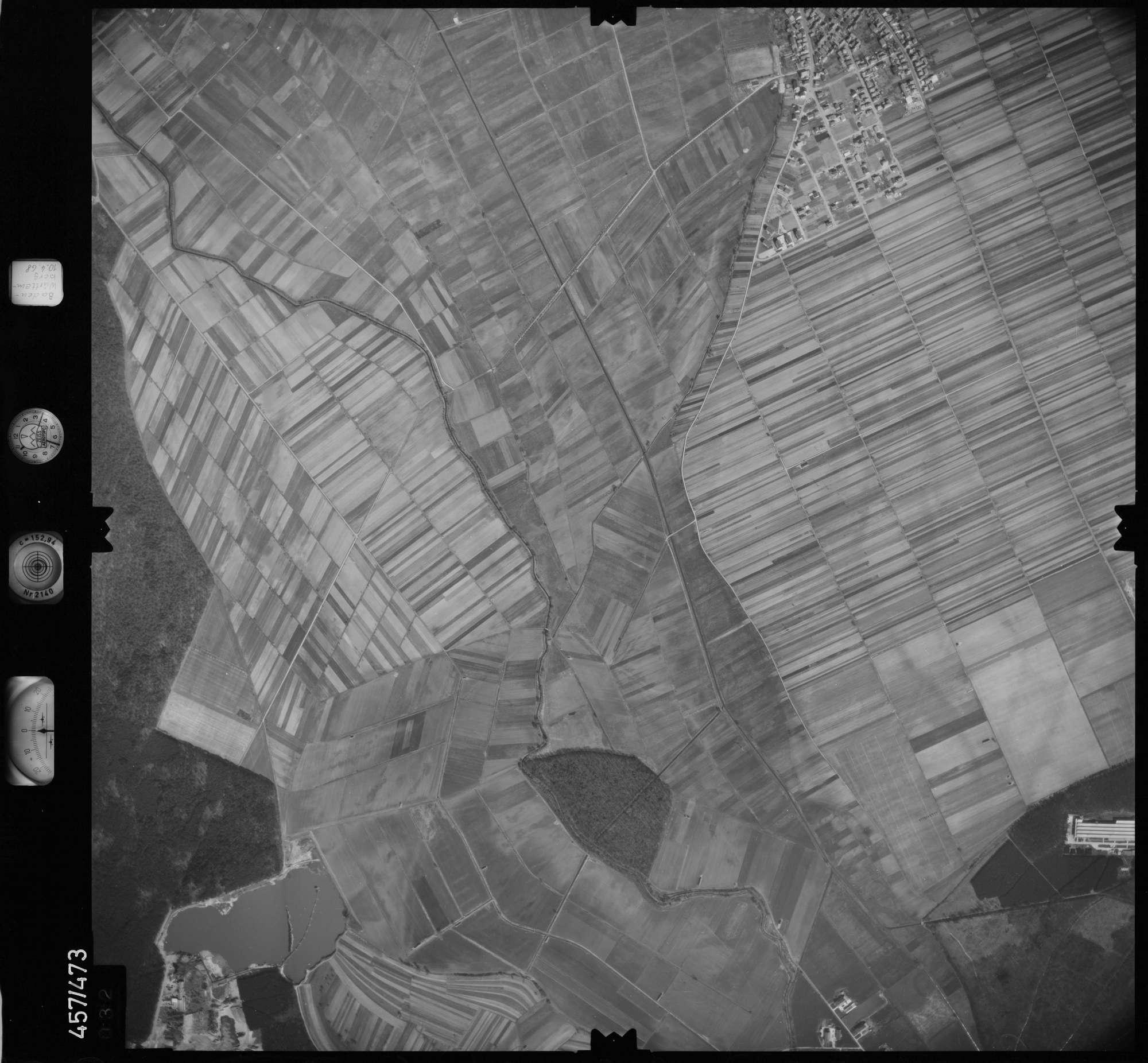 Luftbild: Film 104 Bildnr. 32, Bild 1