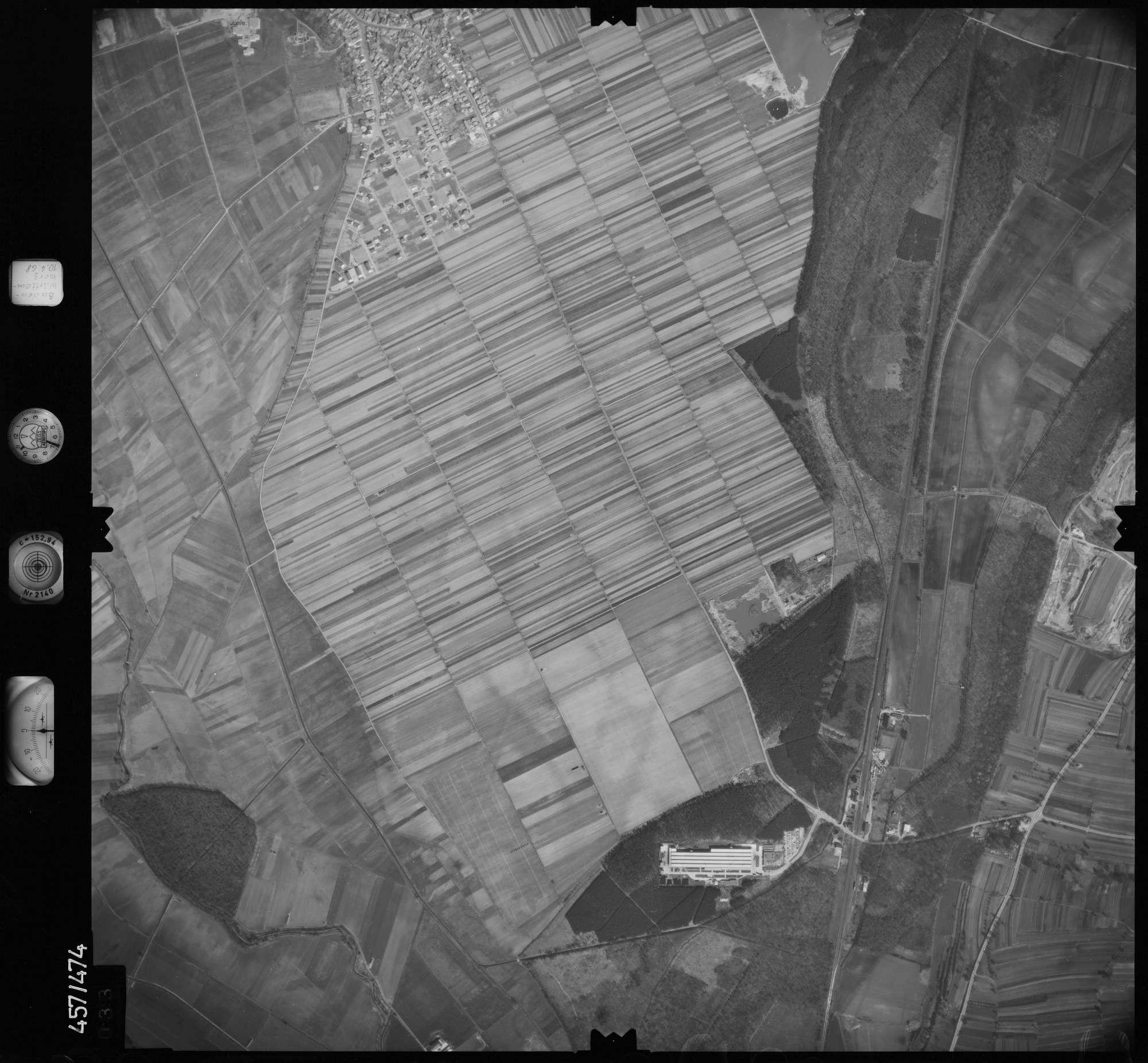 Luftbild: Film 104 Bildnr. 33, Bild 1