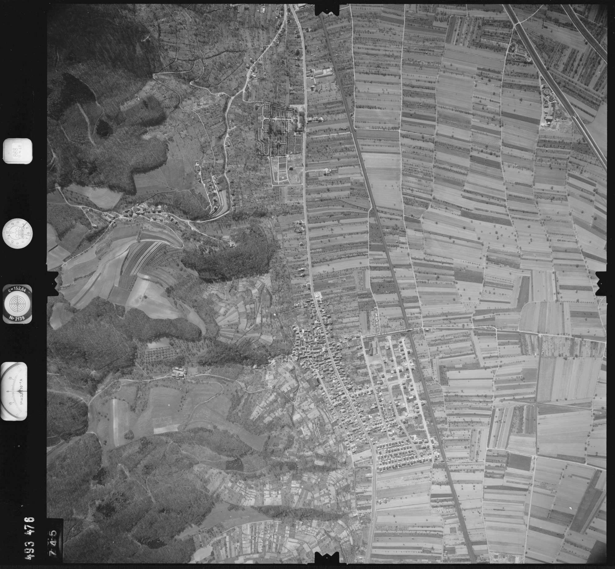 Luftbild: Film 888 Bildnr. 745, Bild 1