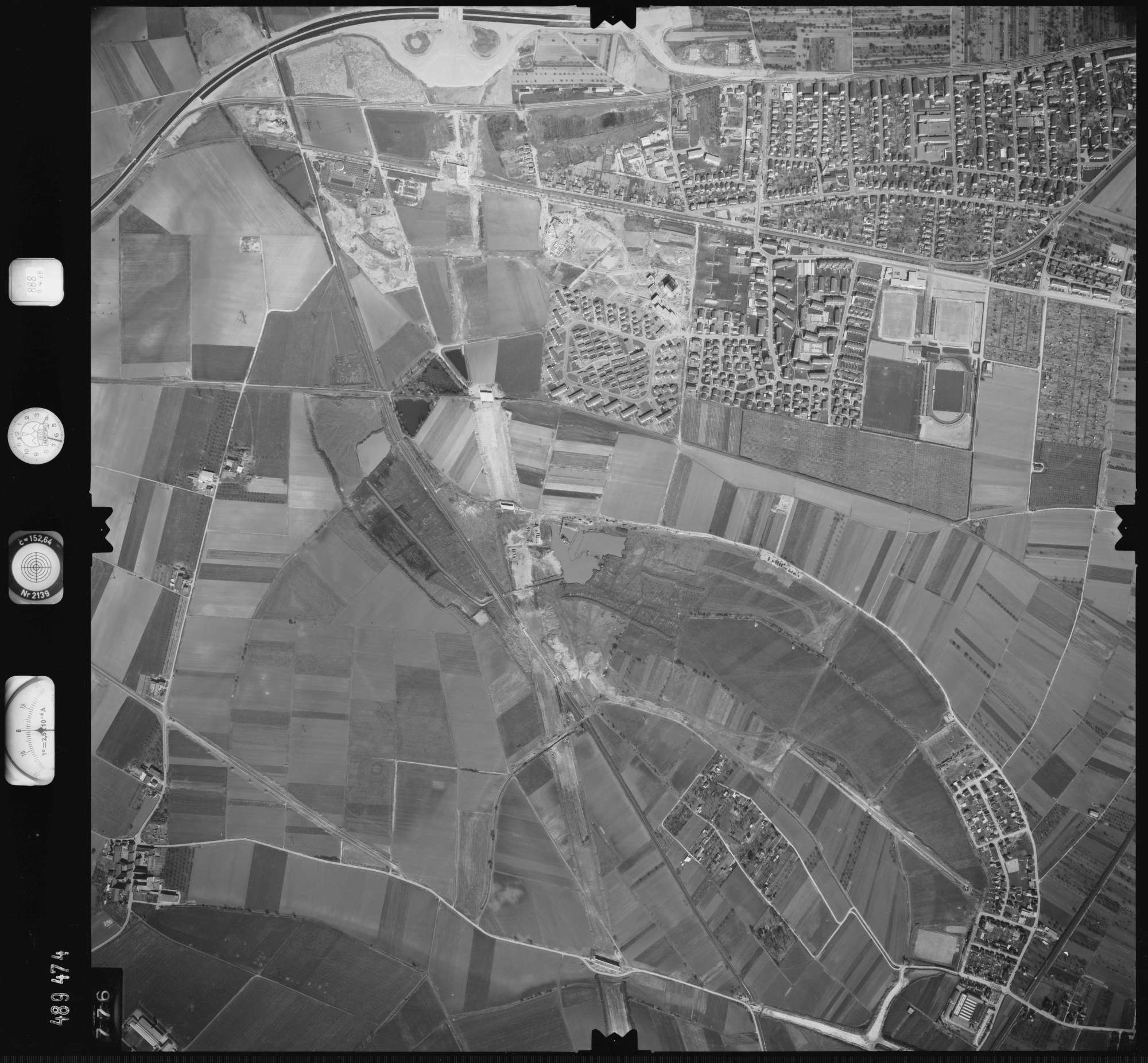 Luftbild: Film 888 Bildnr. 776, Bild 1
