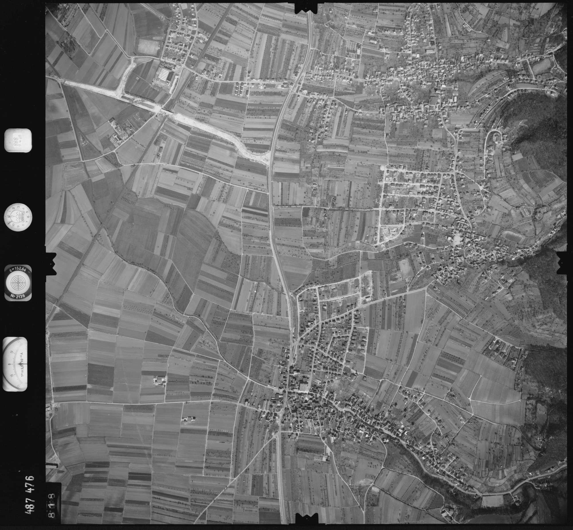 Luftbild: Film 888 Bildnr. 818, Bild 1
