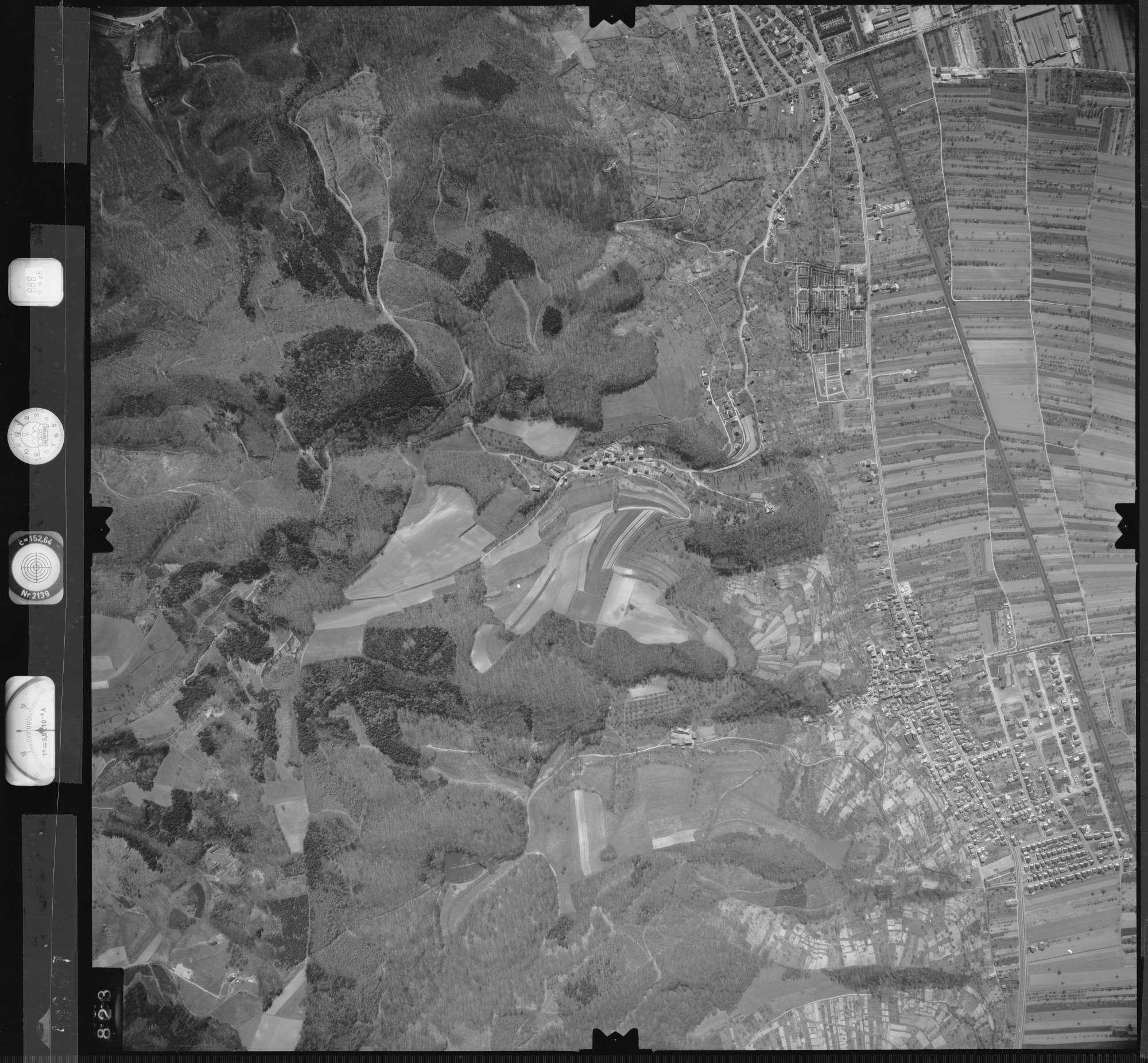 Luftbild: Film 888 Bildnr. 823, Bild 1