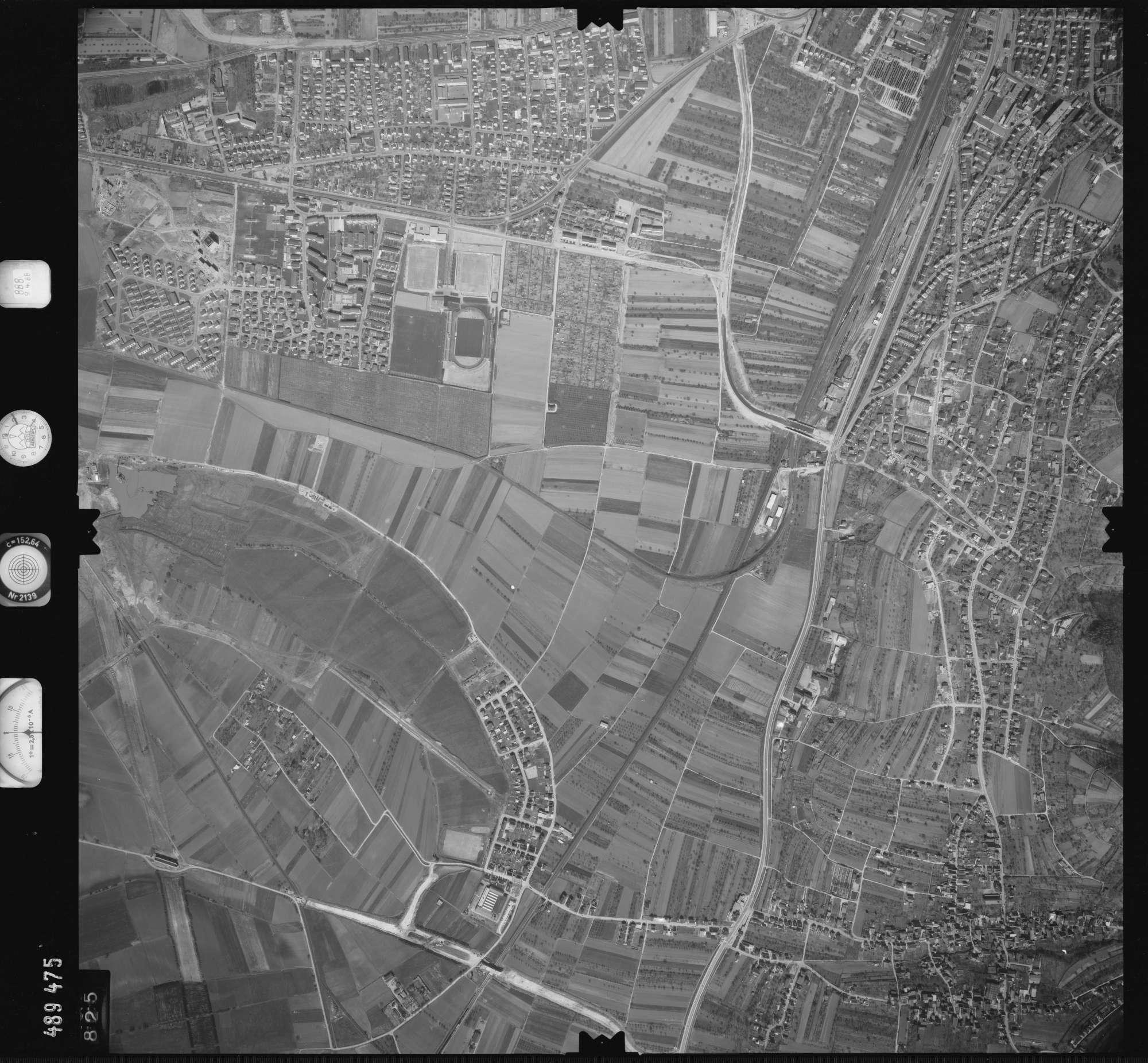 Luftbild: Film 888 Bildnr. 825, Bild 1