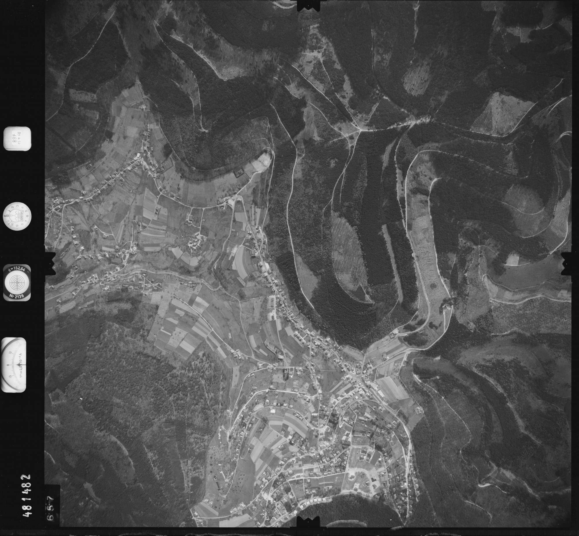 Luftbild: Film 897 Bildnr. 657, Bild 1