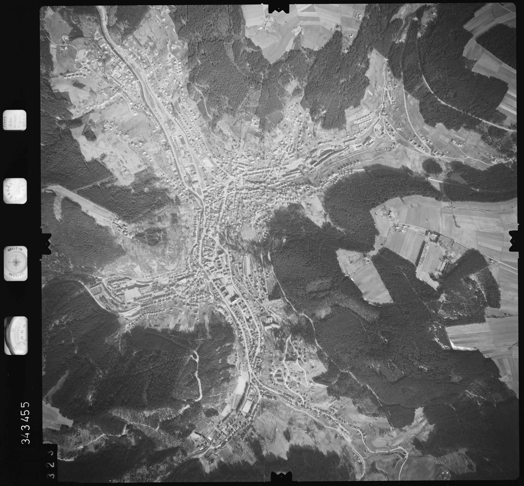 Luftbild: Film 46 Bildnr. 323, Bild 1