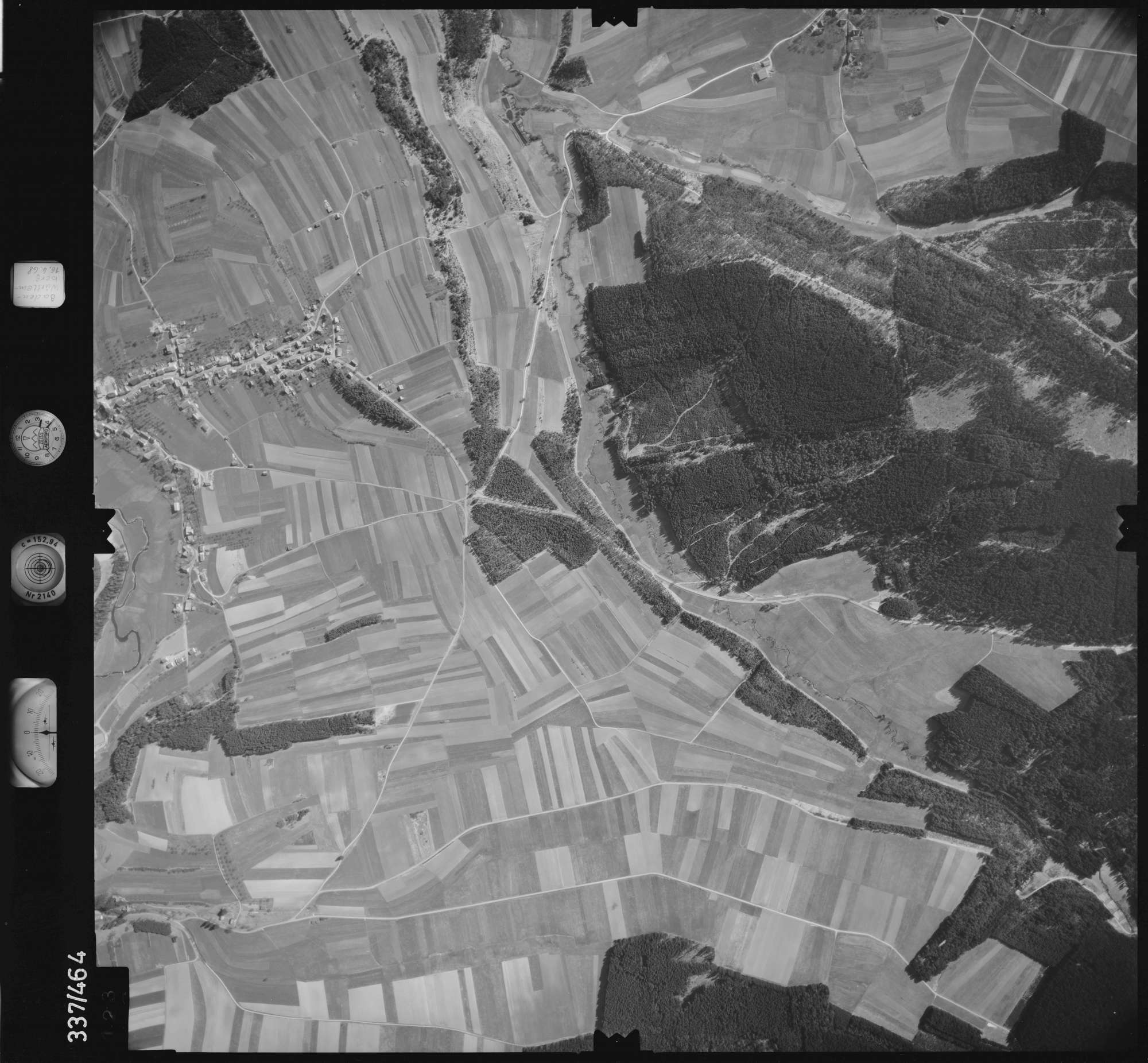 Luftbild: Film 49 Bildnr. 123, Bild 1