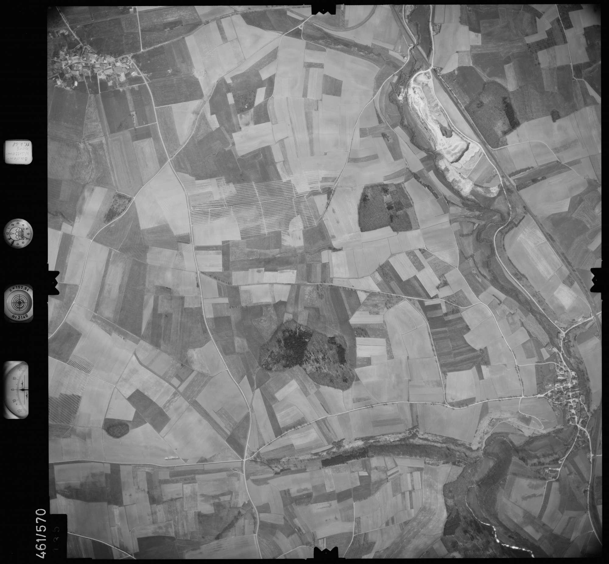 Luftbild: Film 105 Bildnr. 135, Bild 1