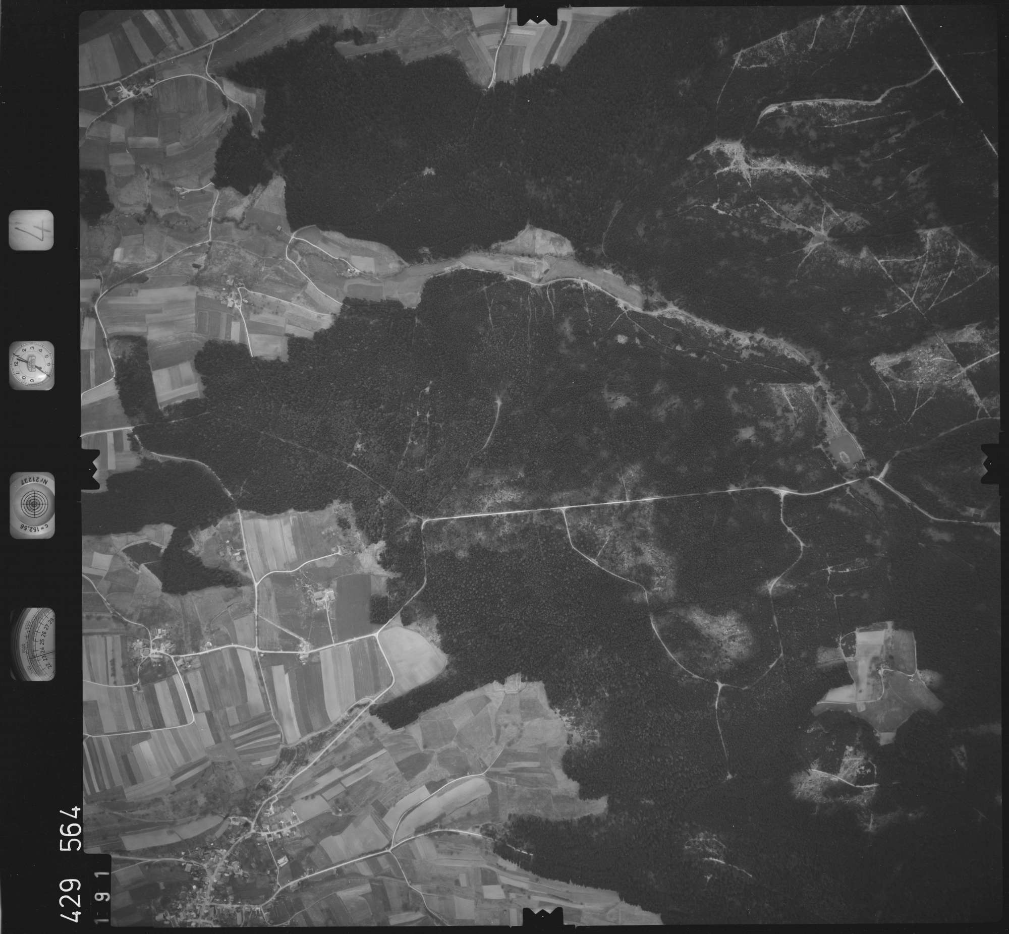 Luftbild: Film 4 Bildnr. 191, Bild 1