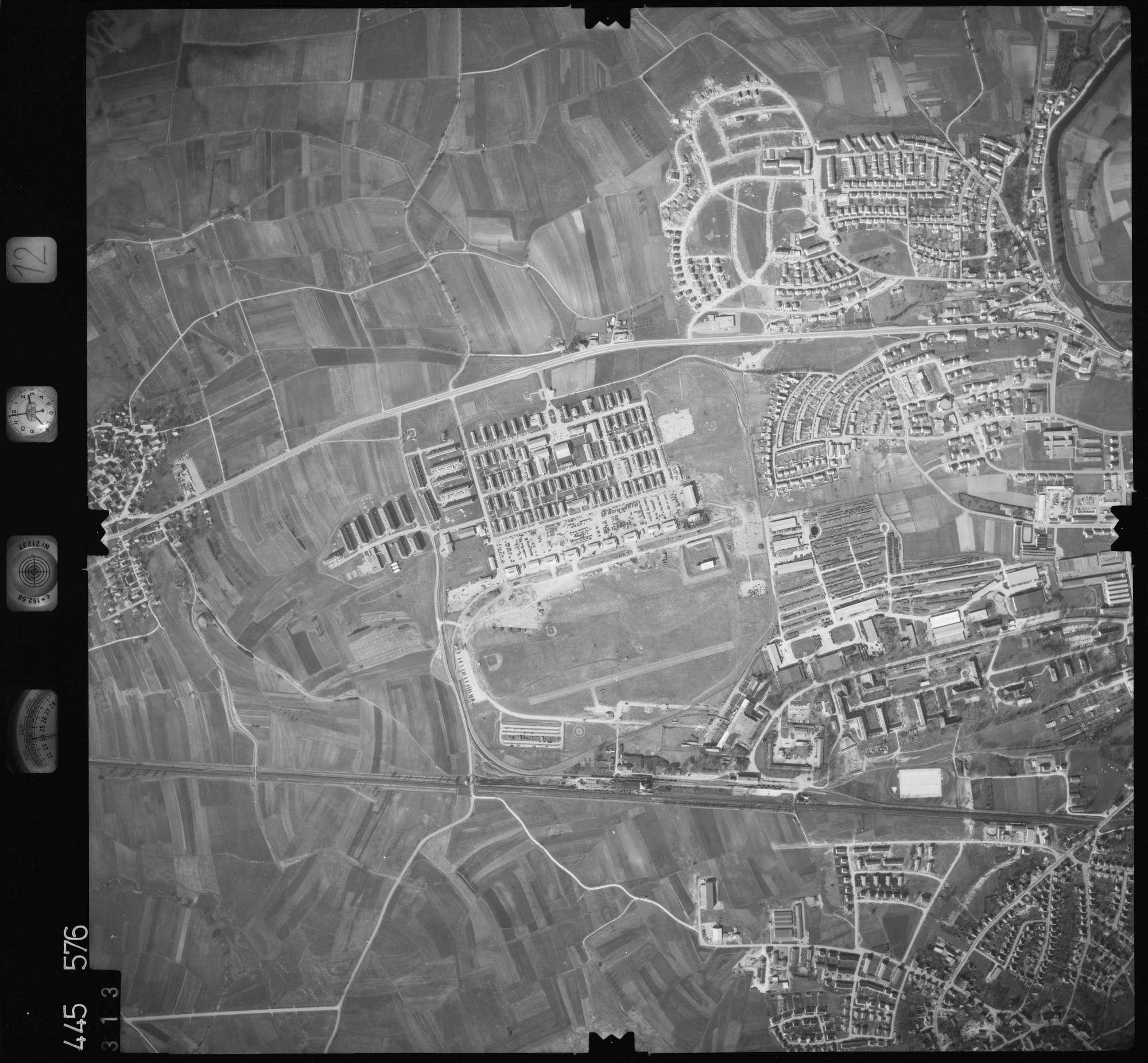 Luftbild: Film 12 Bildnr. 313, Bild 1