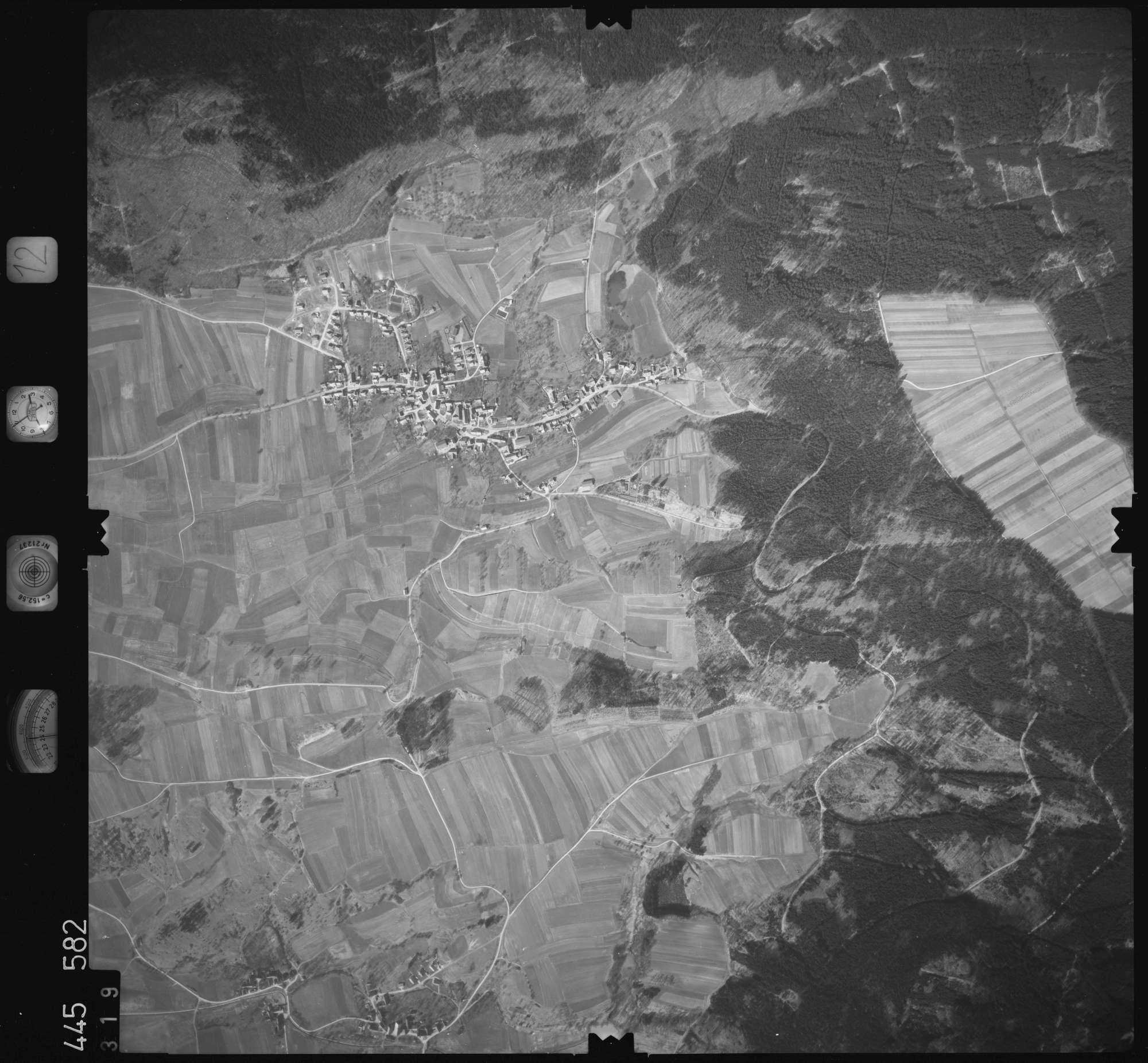 Luftbild: Film 12 Bildnr. 319, Bild 1