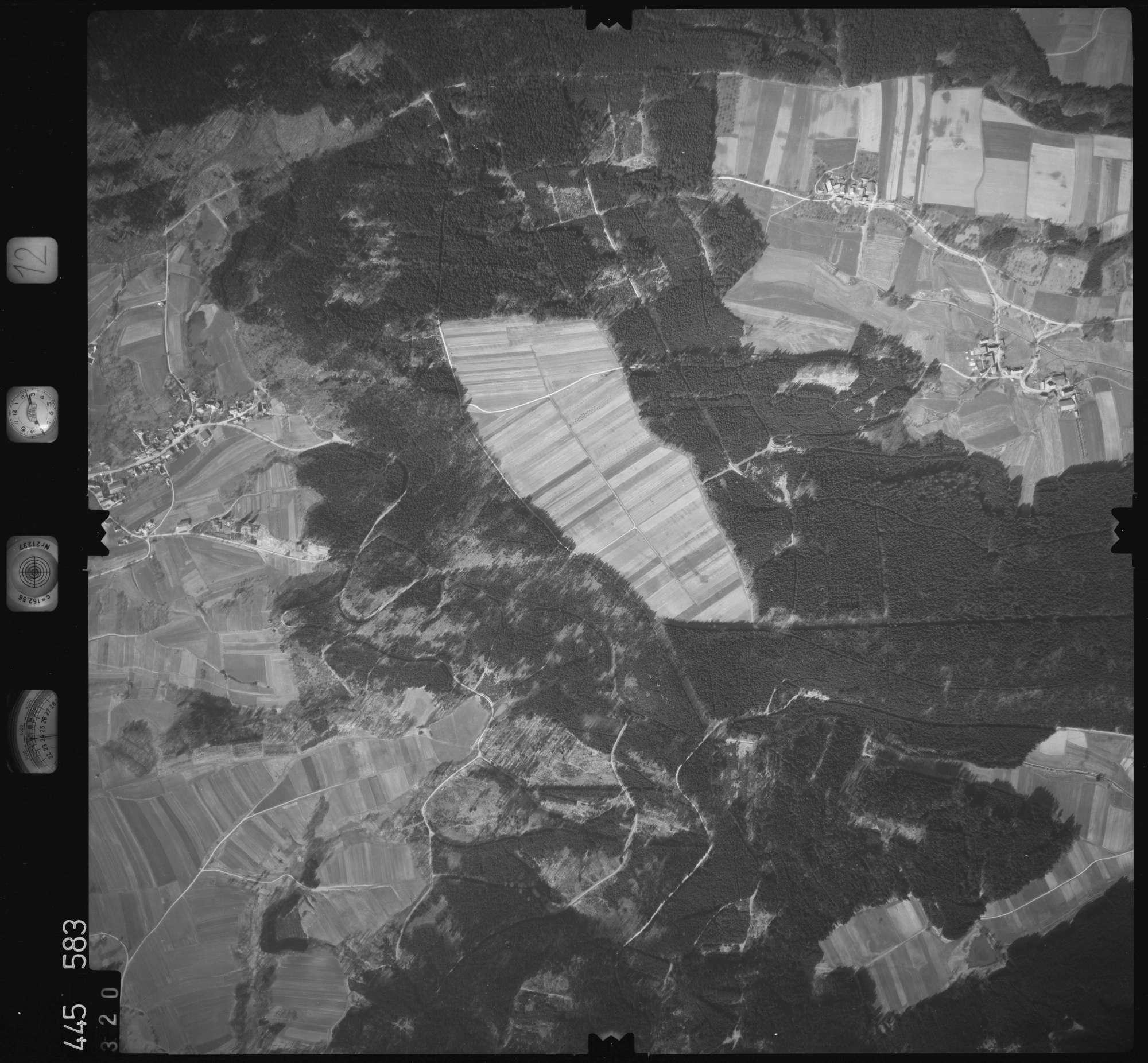 Luftbild: Film 12 Bildnr. 320, Bild 1