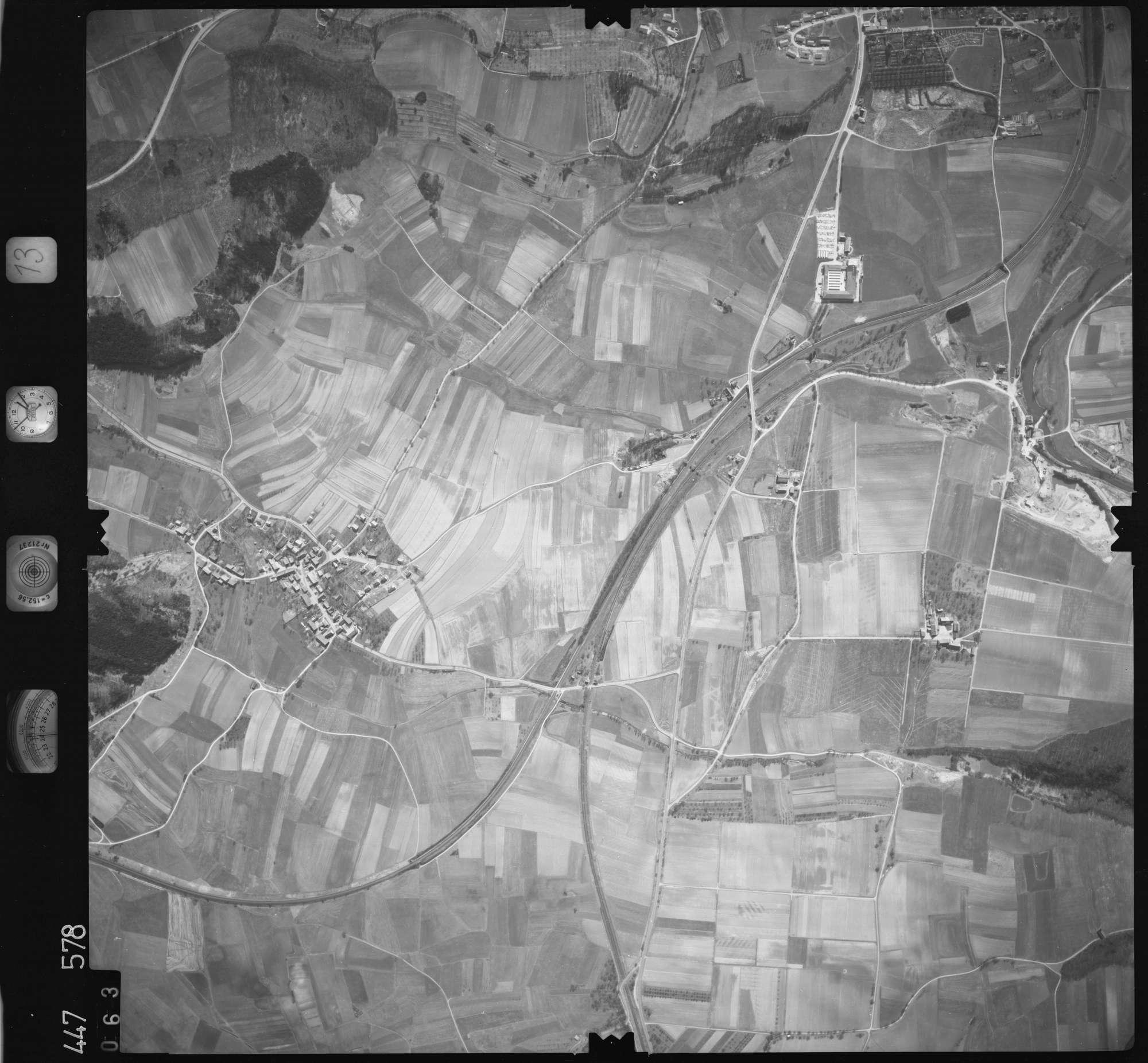 Luftbild: Film 13 Bildnr. 63, Bild 1