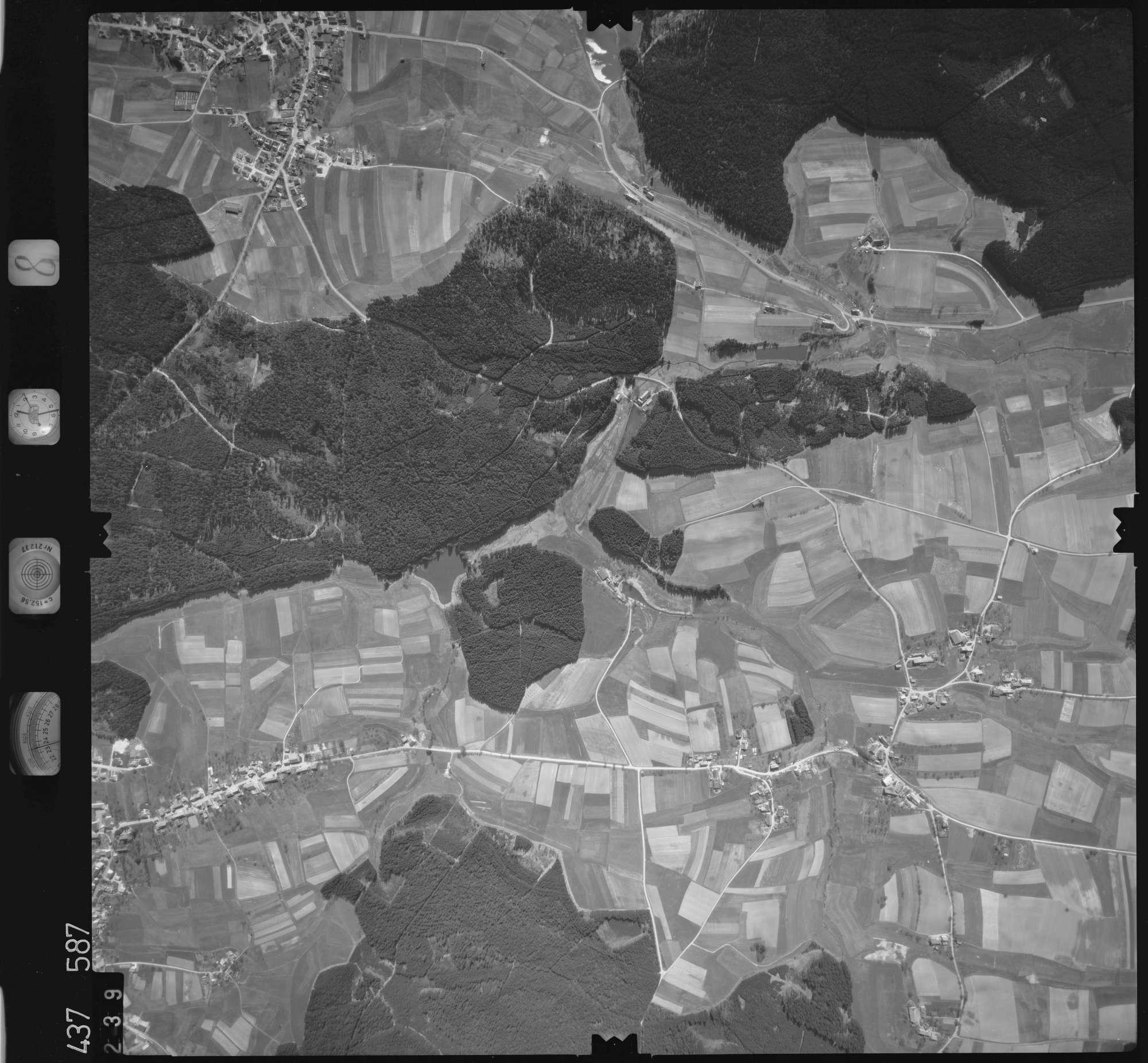 Luftbild: Film 8 Bildnr. 239, Bild 1