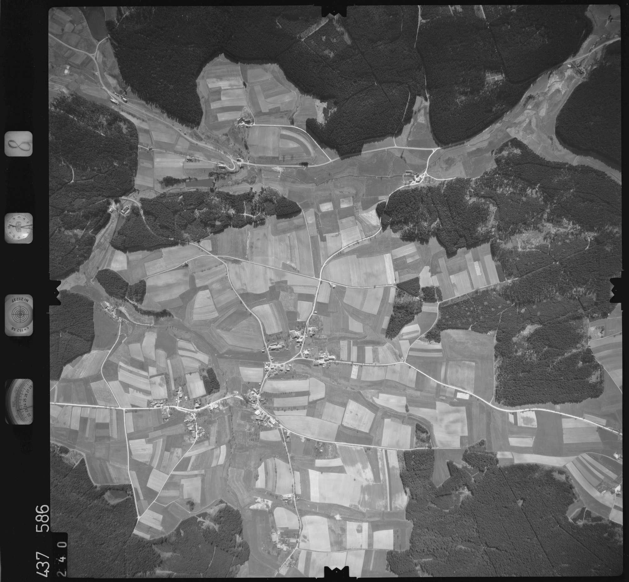 Luftbild: Film 8 Bildnr. 240, Bild 1