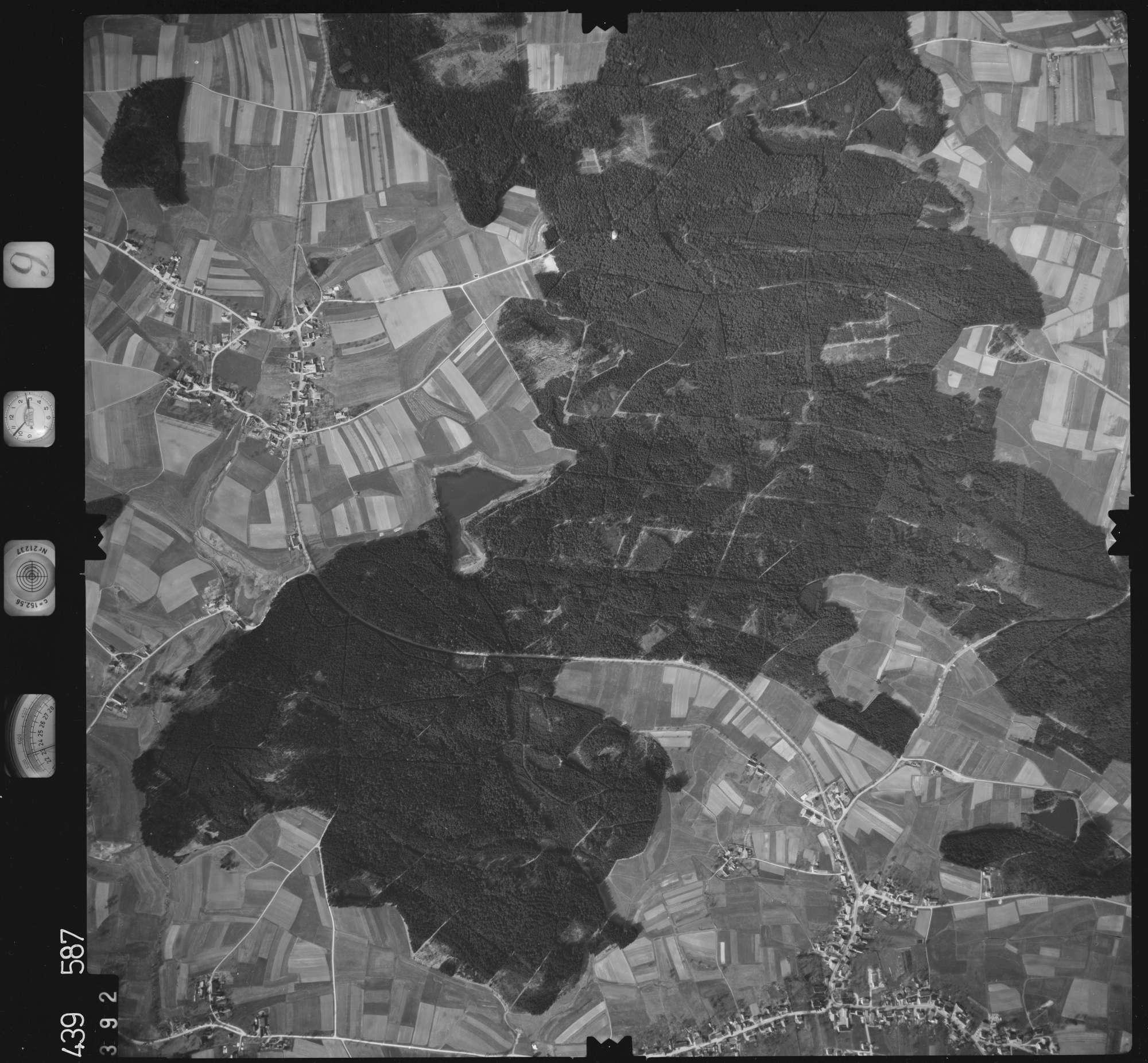 Luftbild: Film 9 Bildnr. 392, Bild 1