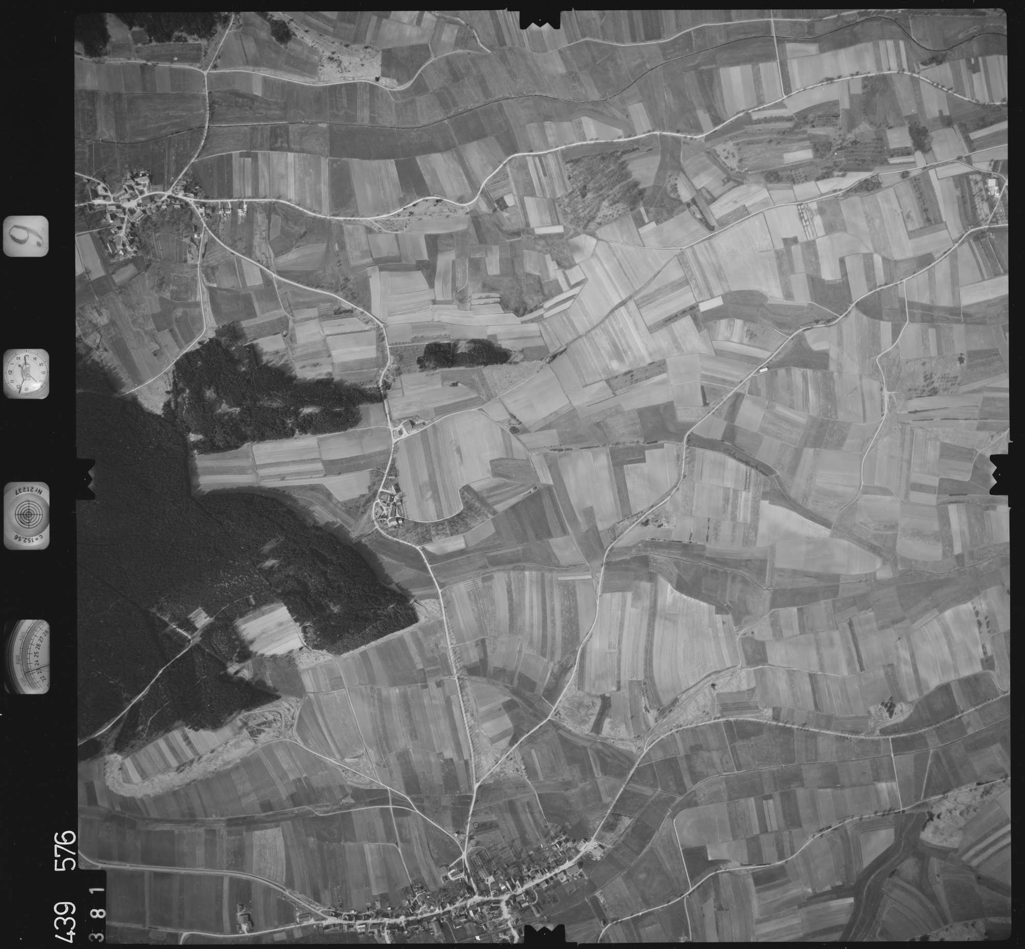 Luftbild: Film 9 Bildnr. 381, Bild 1