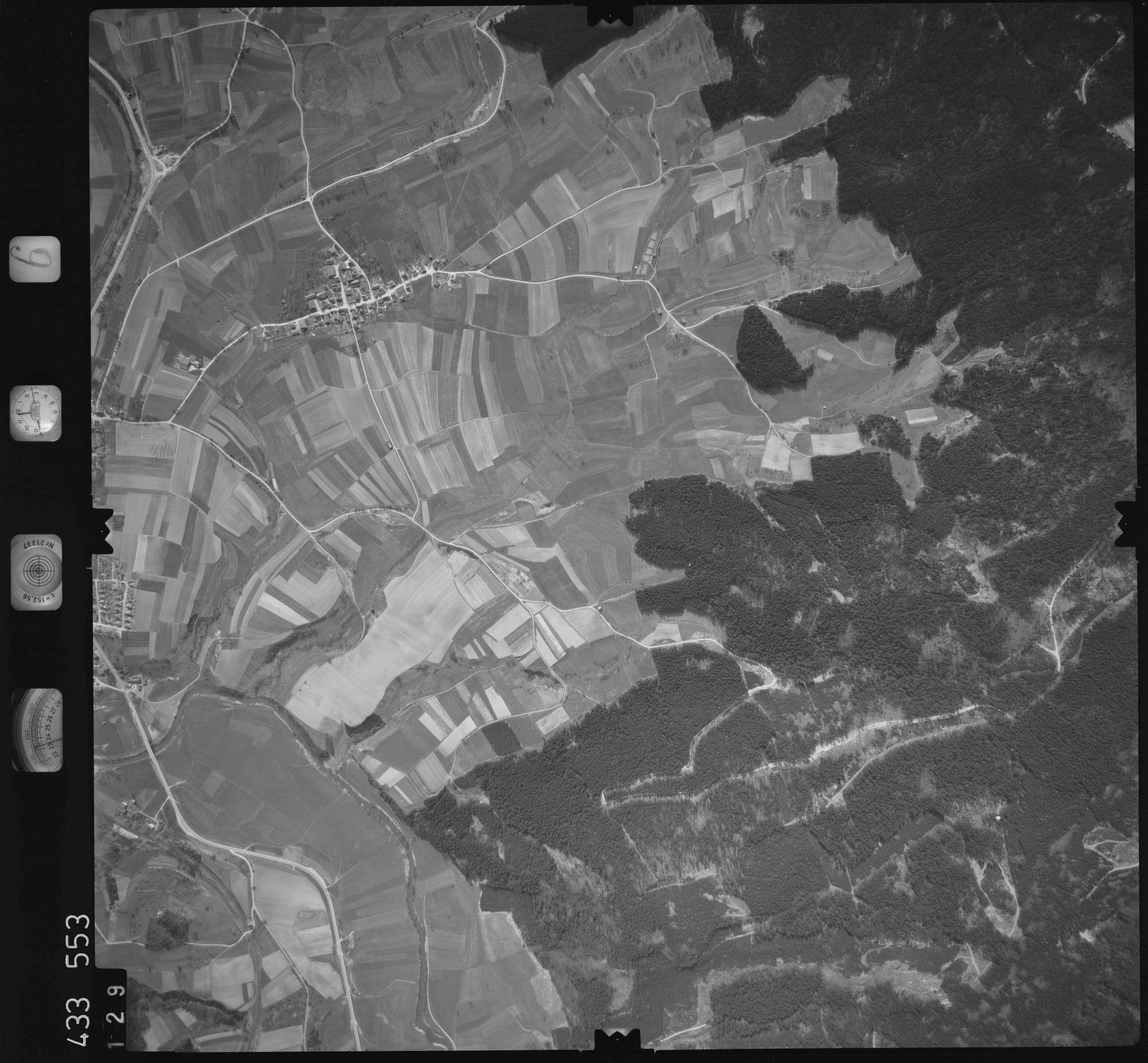 Luftbild: Film 6 Bildnr. 129, Bild 1