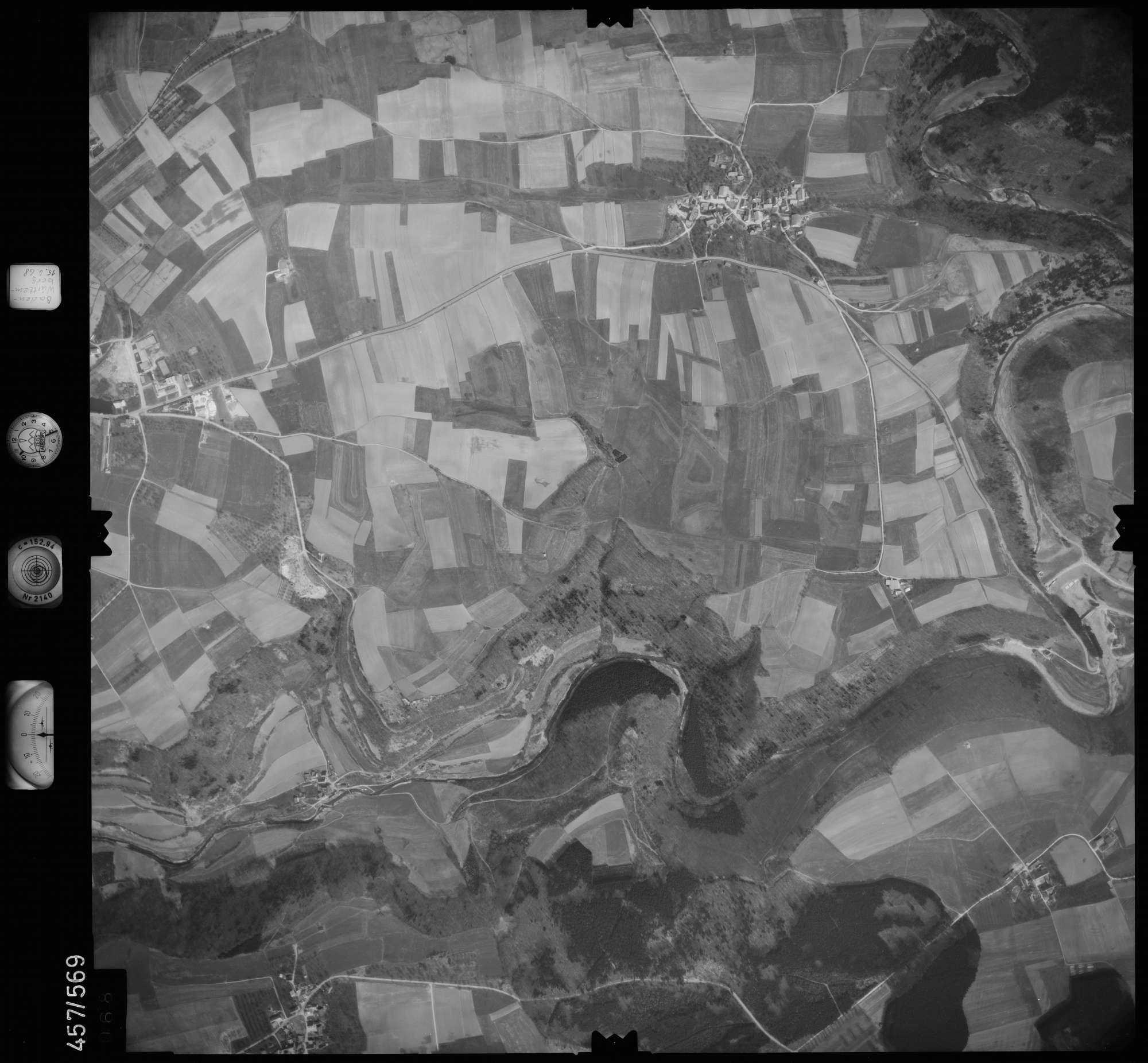 Luftbild: Film 105 Bildnr. 68, Bild 1