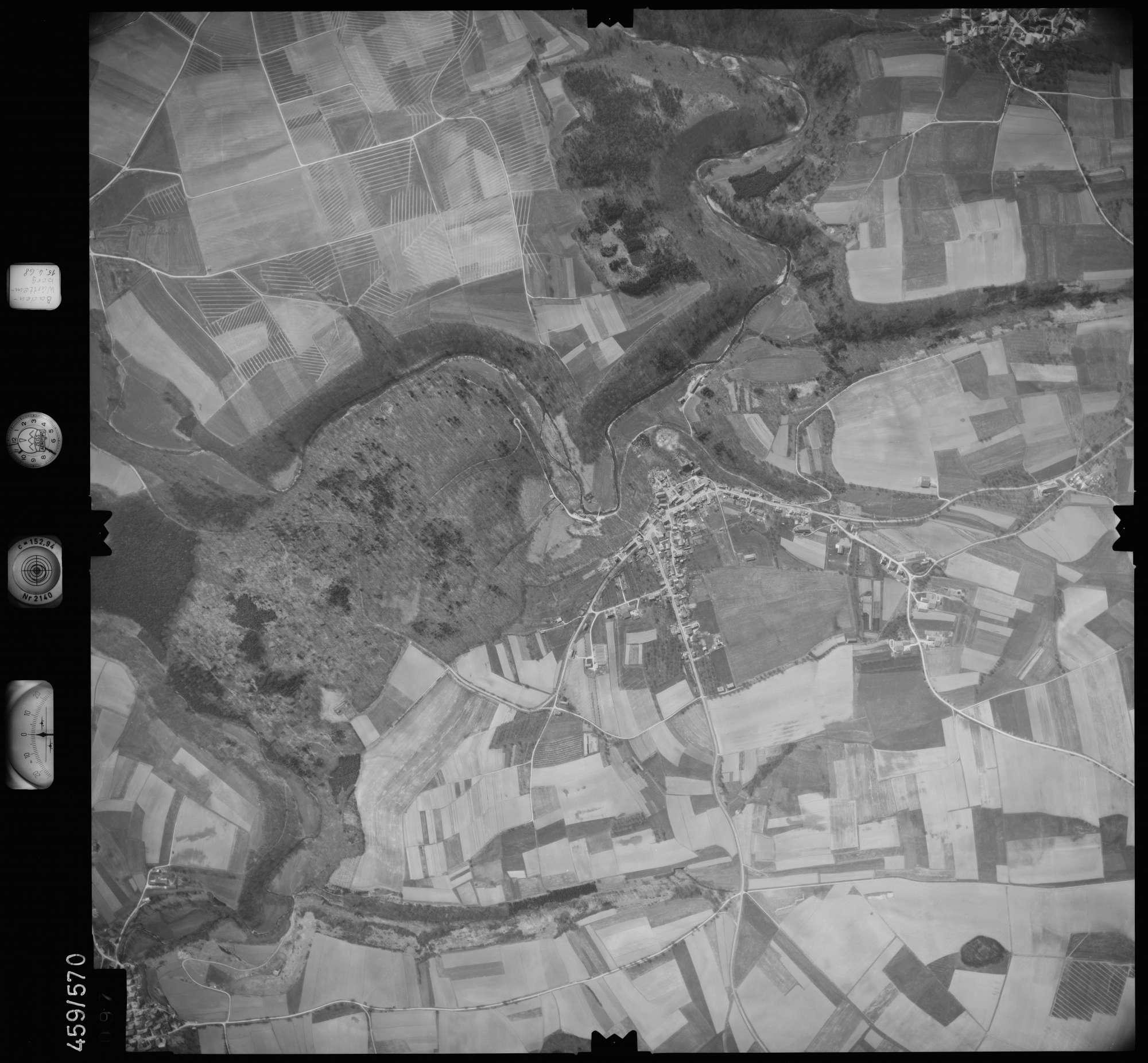 Luftbild: Film 105 Bildnr. 97, Bild 1