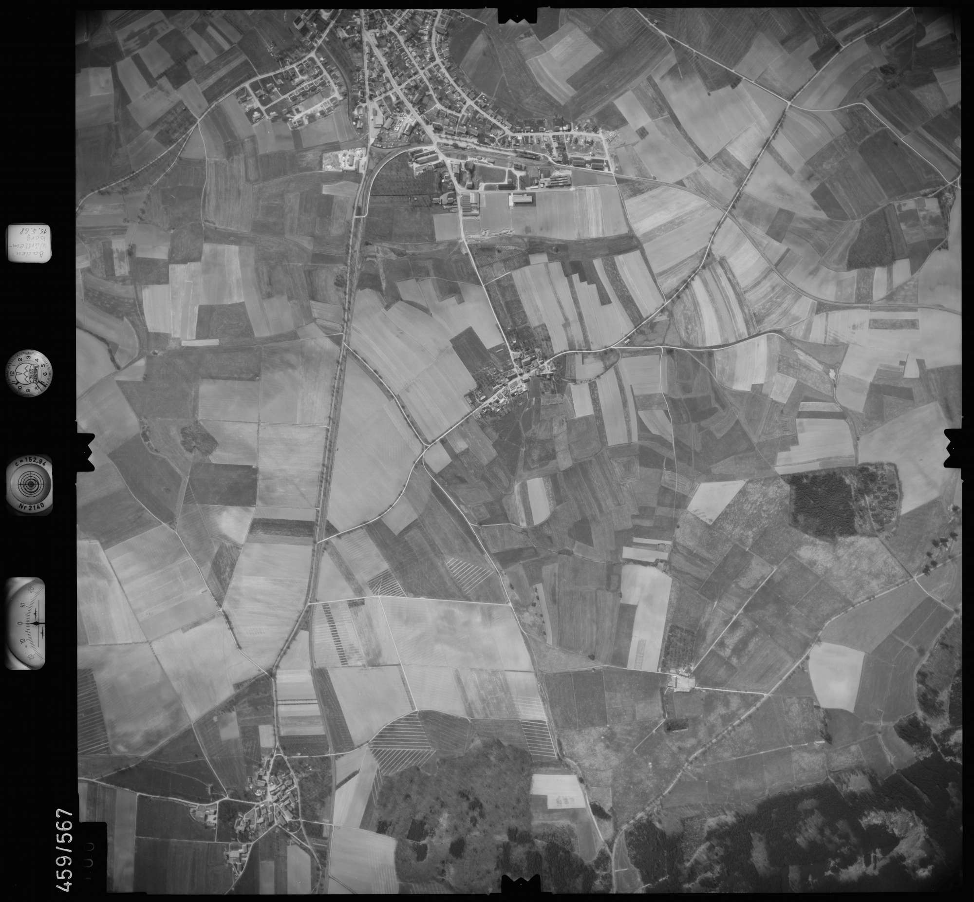 Luftbild: Film 105 Bildnr. 100, Bild 1