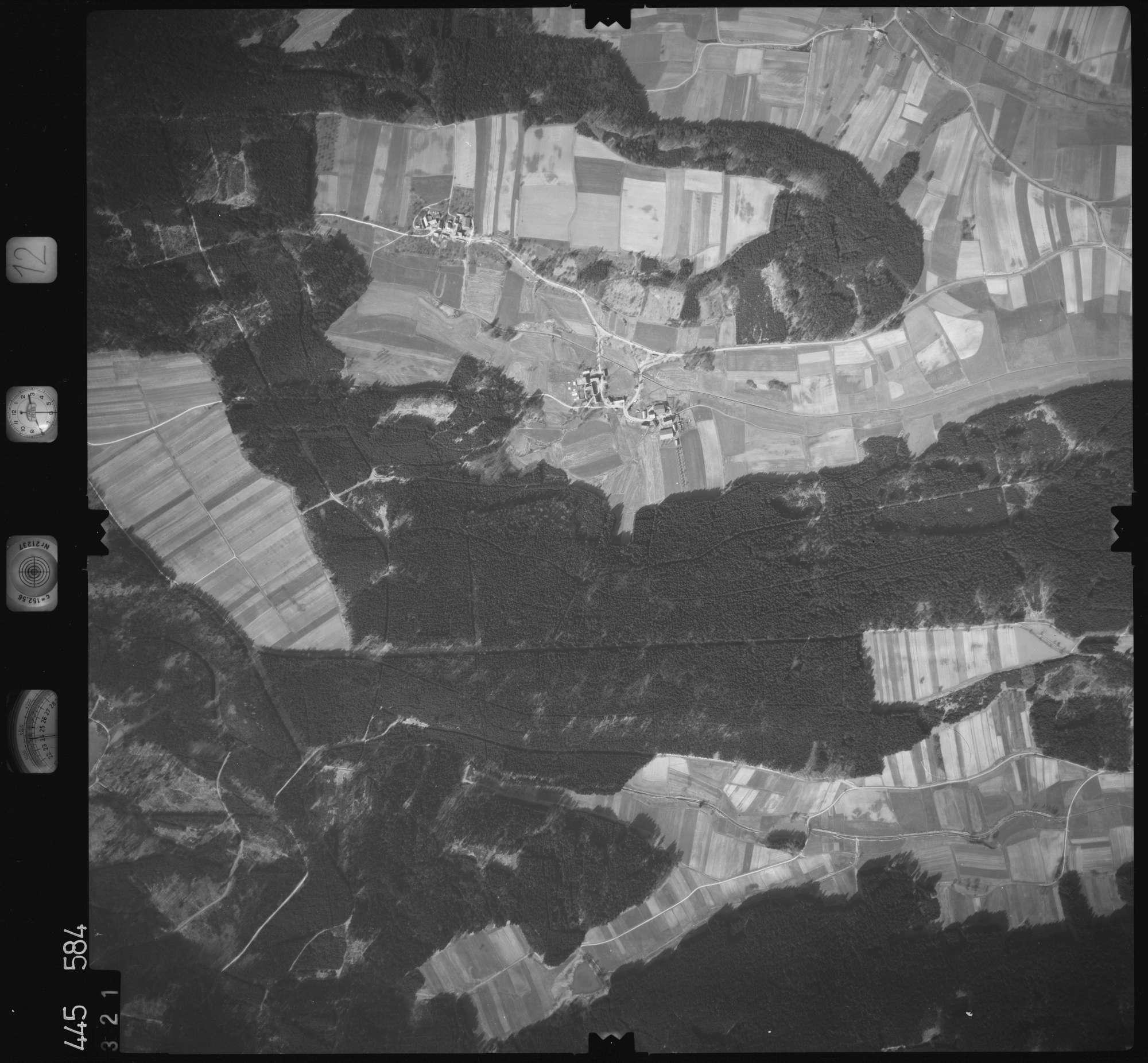 Luftbild: Film 12 Bildnr. 321, Bild 1