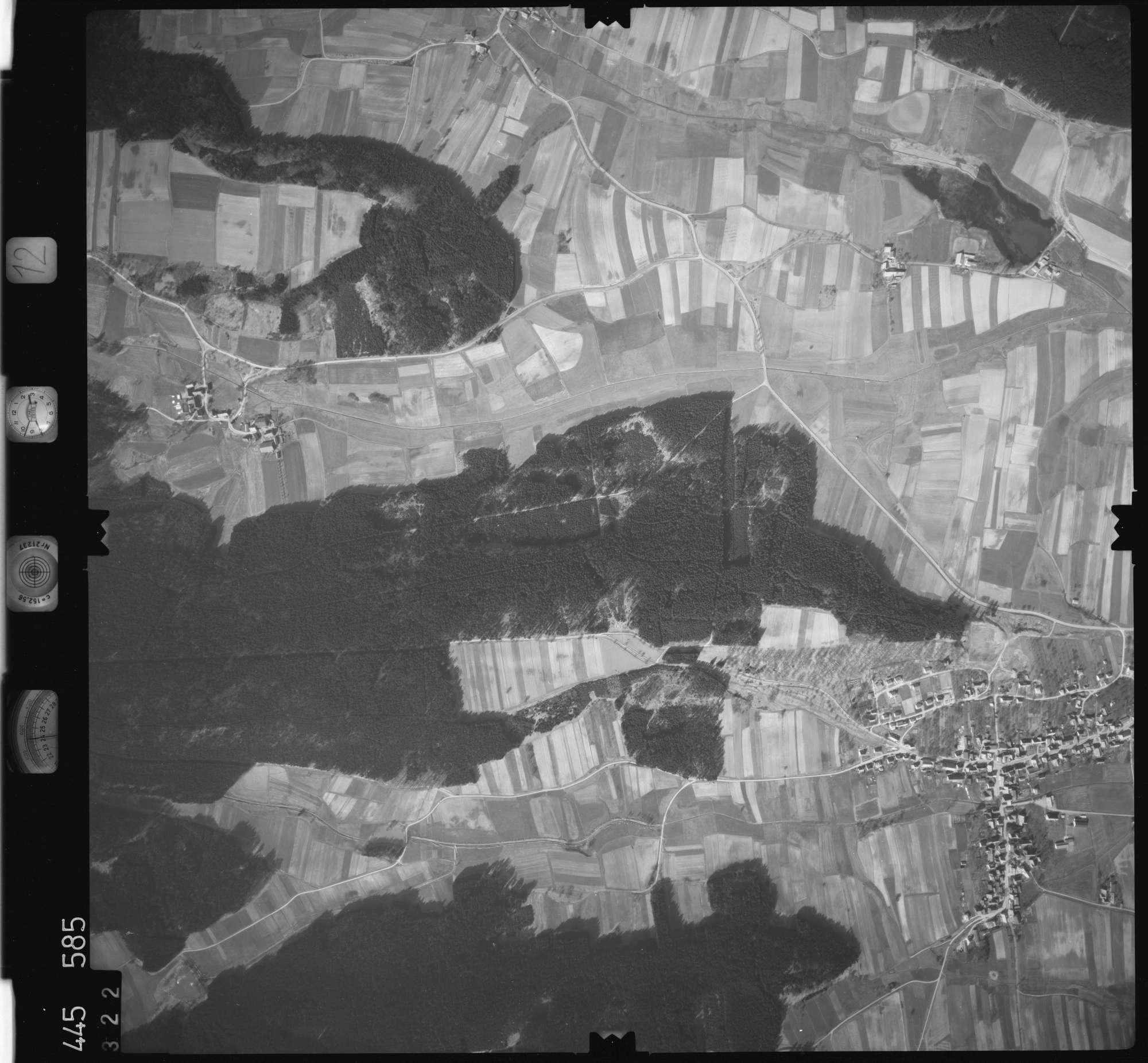 Luftbild: Film 12 Bildnr. 322, Bild 1