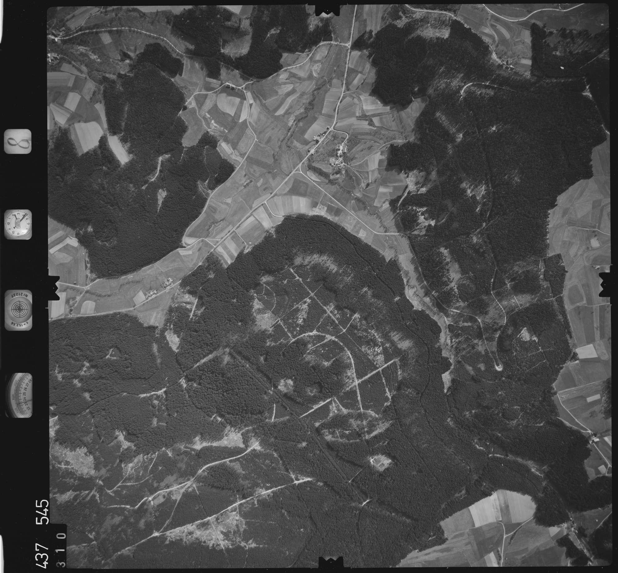 Luftbild: Film 8 Bildnr. 310, Bild 1
