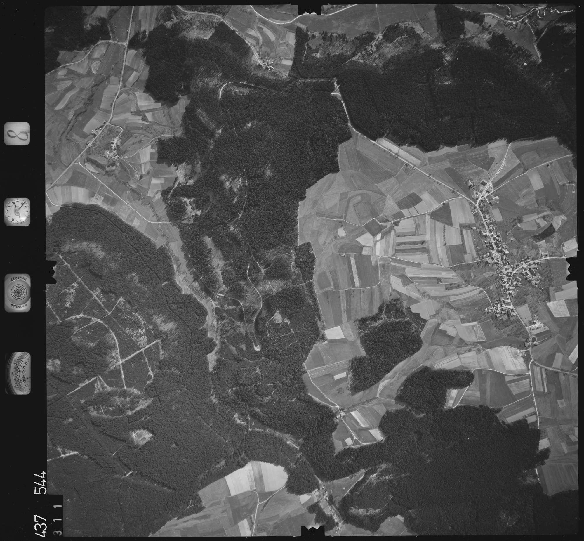 Luftbild: Film 8 Bildnr. 311, Bild 1