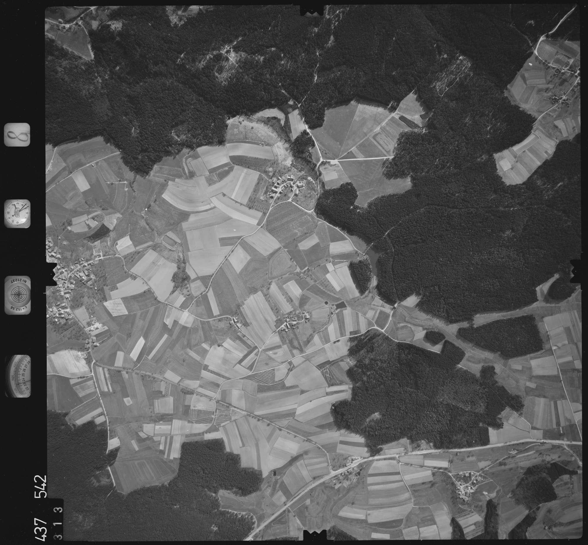 Luftbild: Film 8 Bildnr. 313, Bild 1