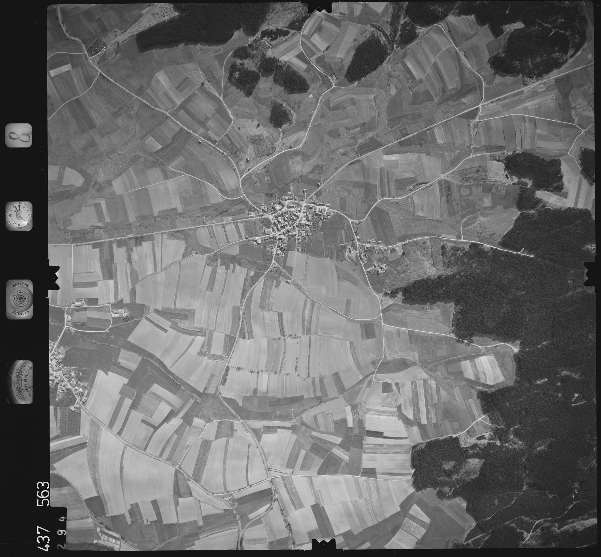 Luftbild: Film 8 Bildnr. 294, Bild 1
