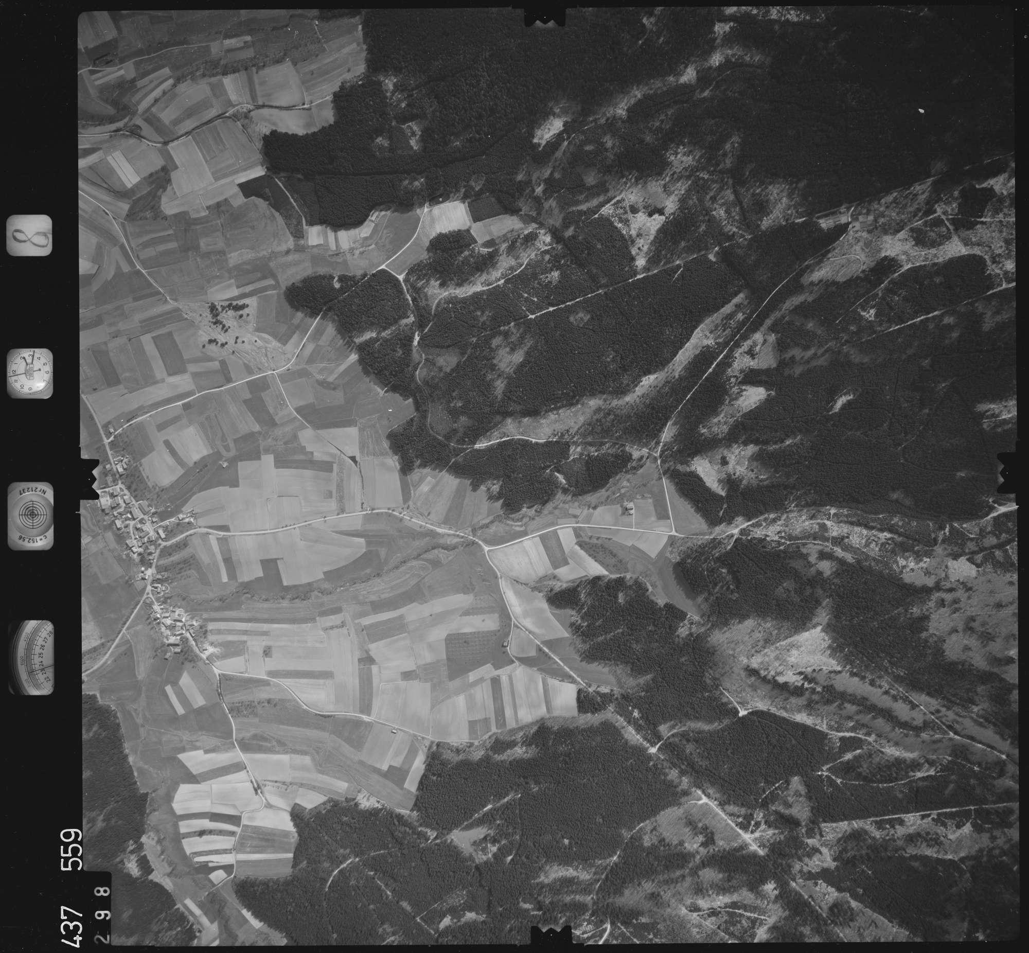 Luftbild: Film 8 Bildnr. 298, Bild 1