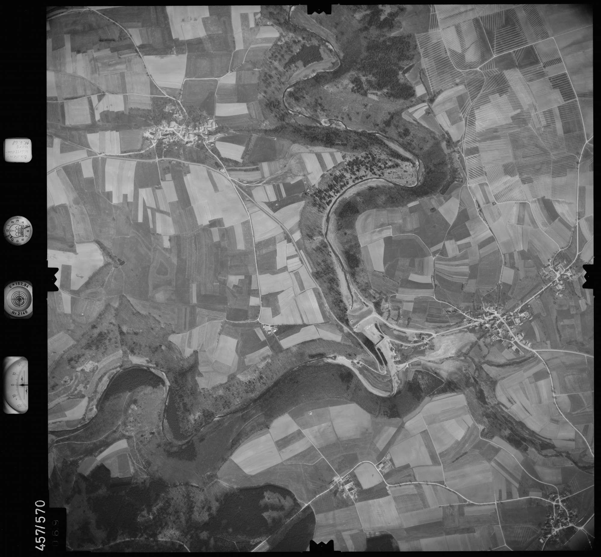 Luftbild: Film 105 Bildnr. 69, Bild 1