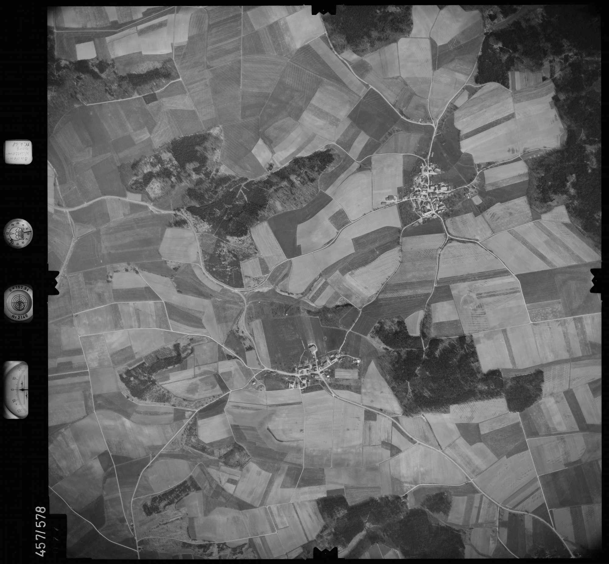 Luftbild: Film 105 Bildnr. 77, Bild 1