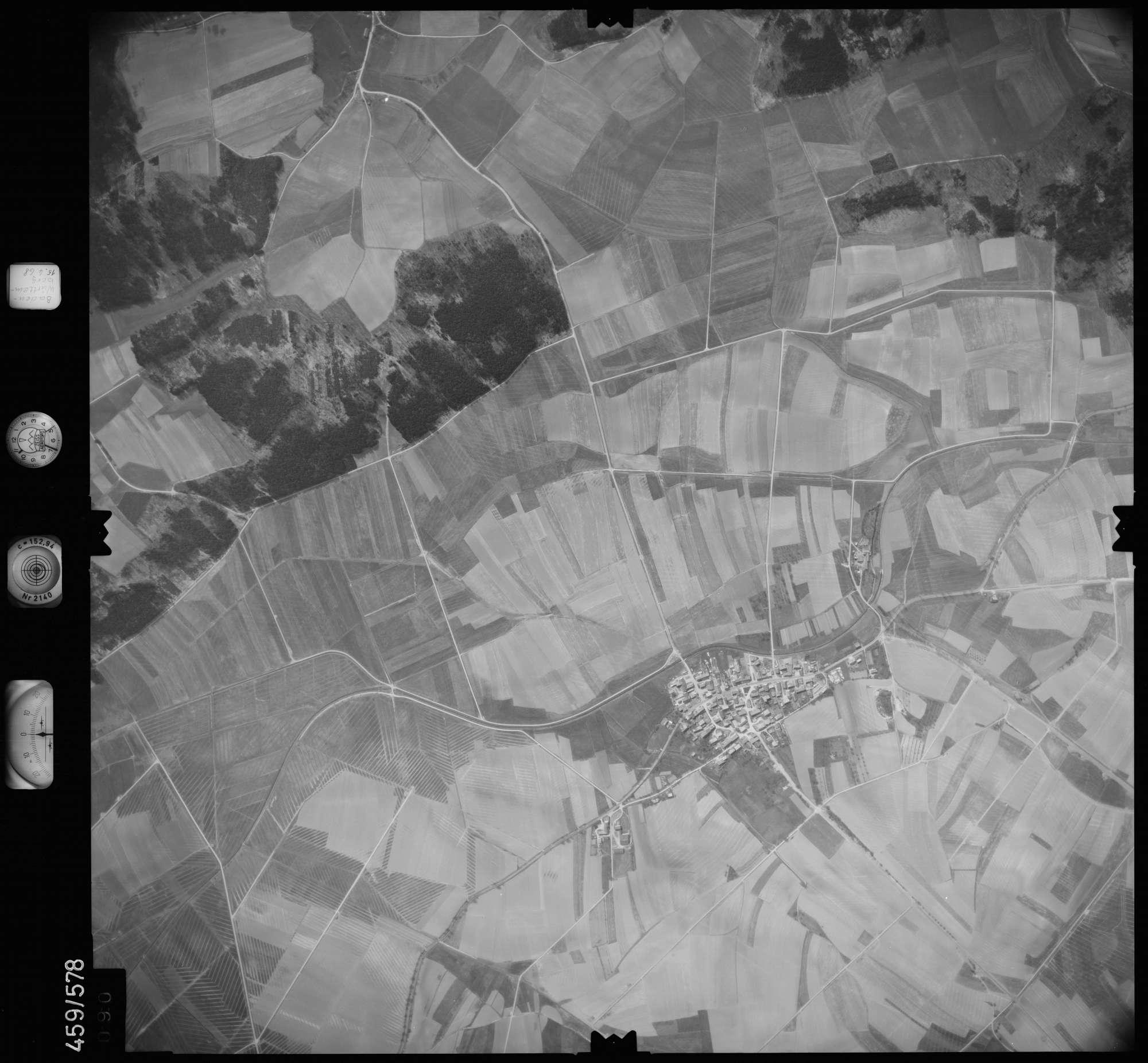 Luftbild: Film 105 Bildnr. 90, Bild 1