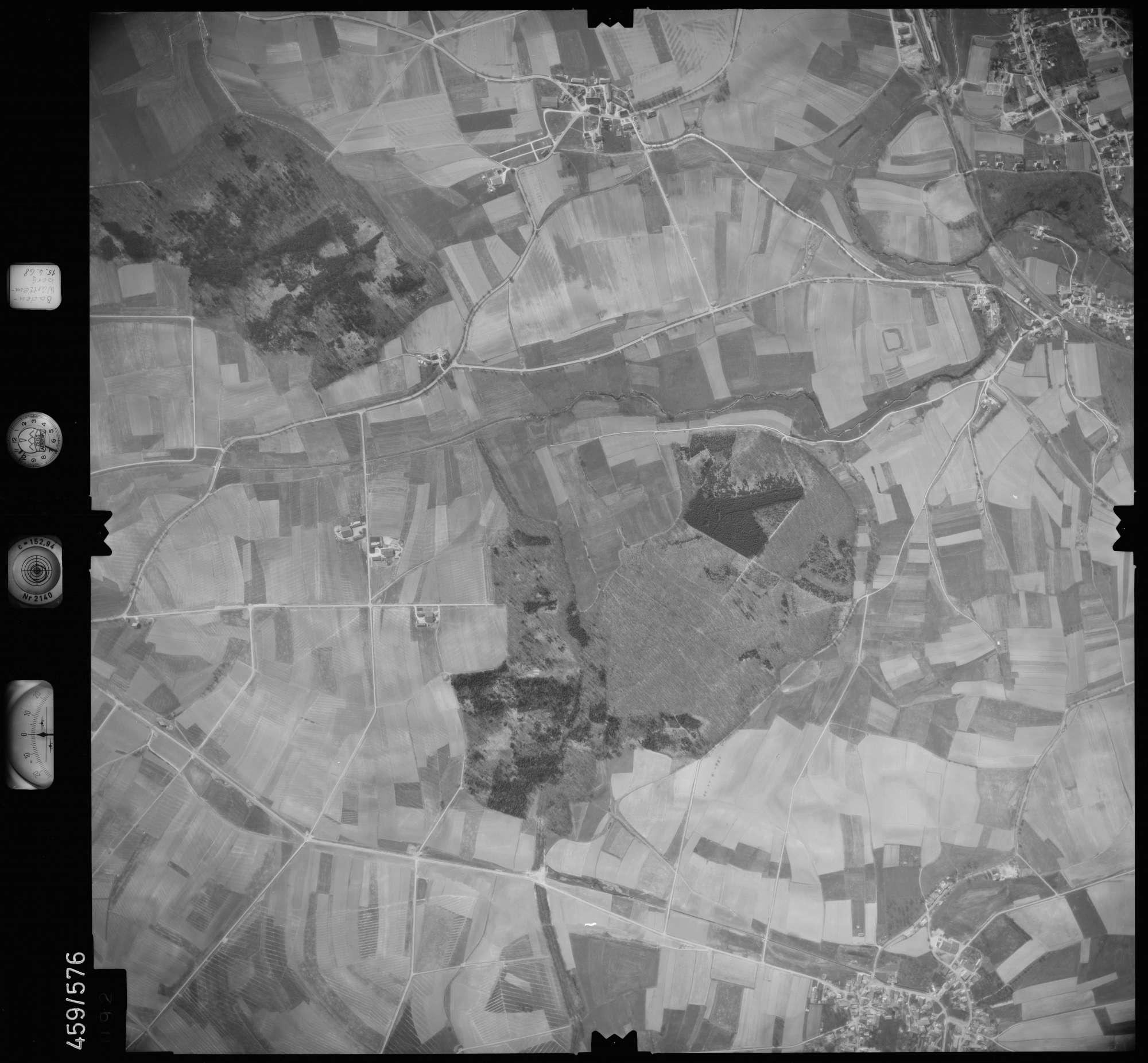 Luftbild: Film 105 Bildnr. 92, Bild 1