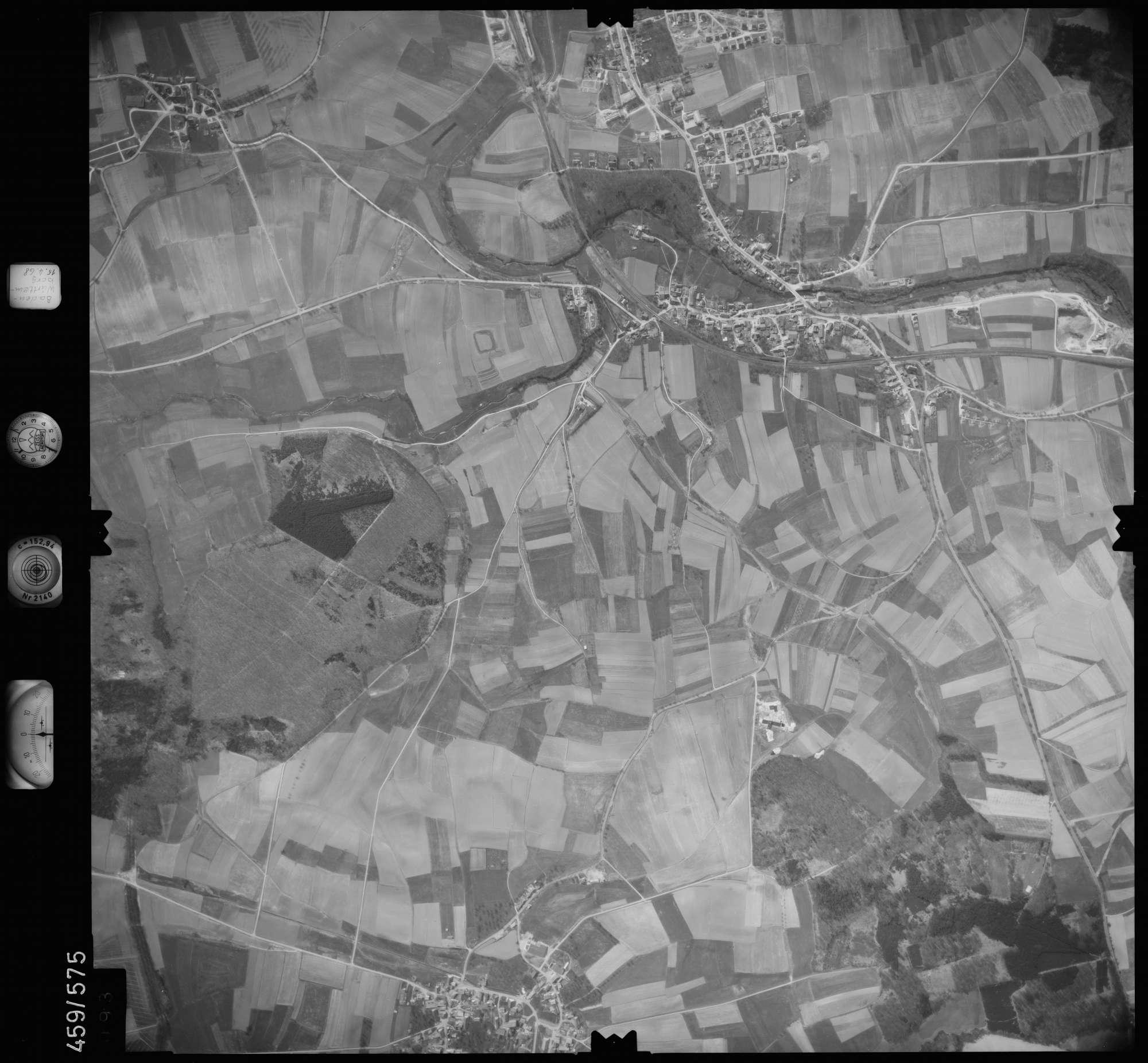 Luftbild: Film 105 Bildnr. 93, Bild 1