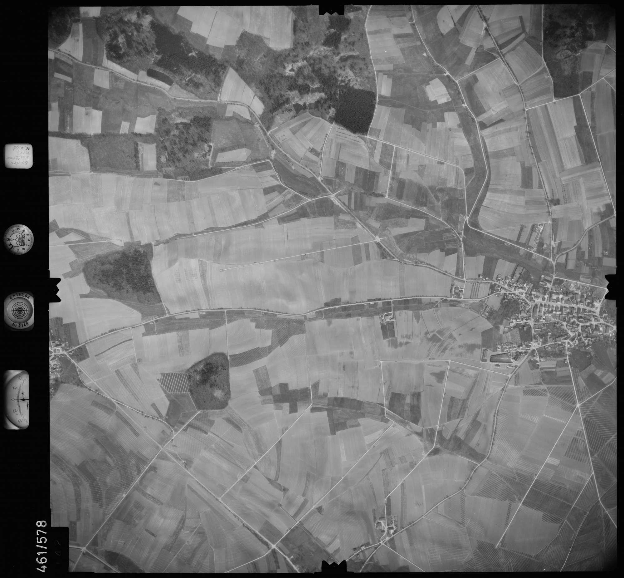Luftbild: Film 105 Bildnr. 142, Bild 1